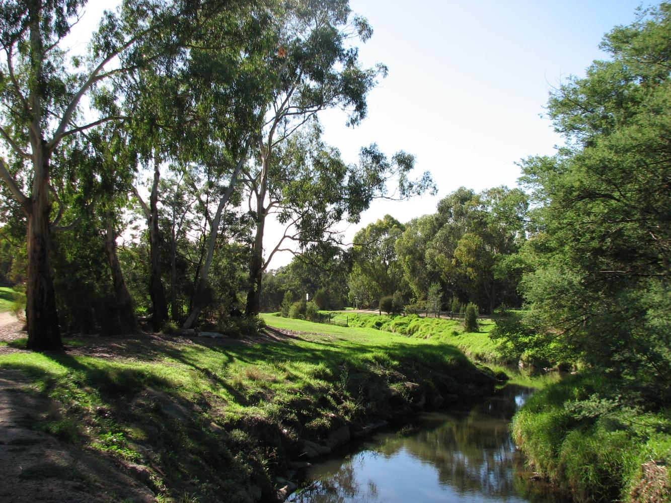 File Box Hill South Gardiners Creek.jpg - Wikimedia Commons 10bf07a90