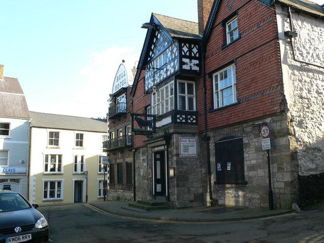 Bull Hotel, Denbigh - geograph.org.uk - 666856