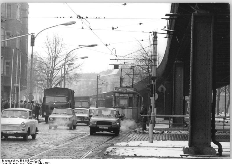 Dateibundesarchiv Bild 183 Z0302 021 Berlin Straßenszene