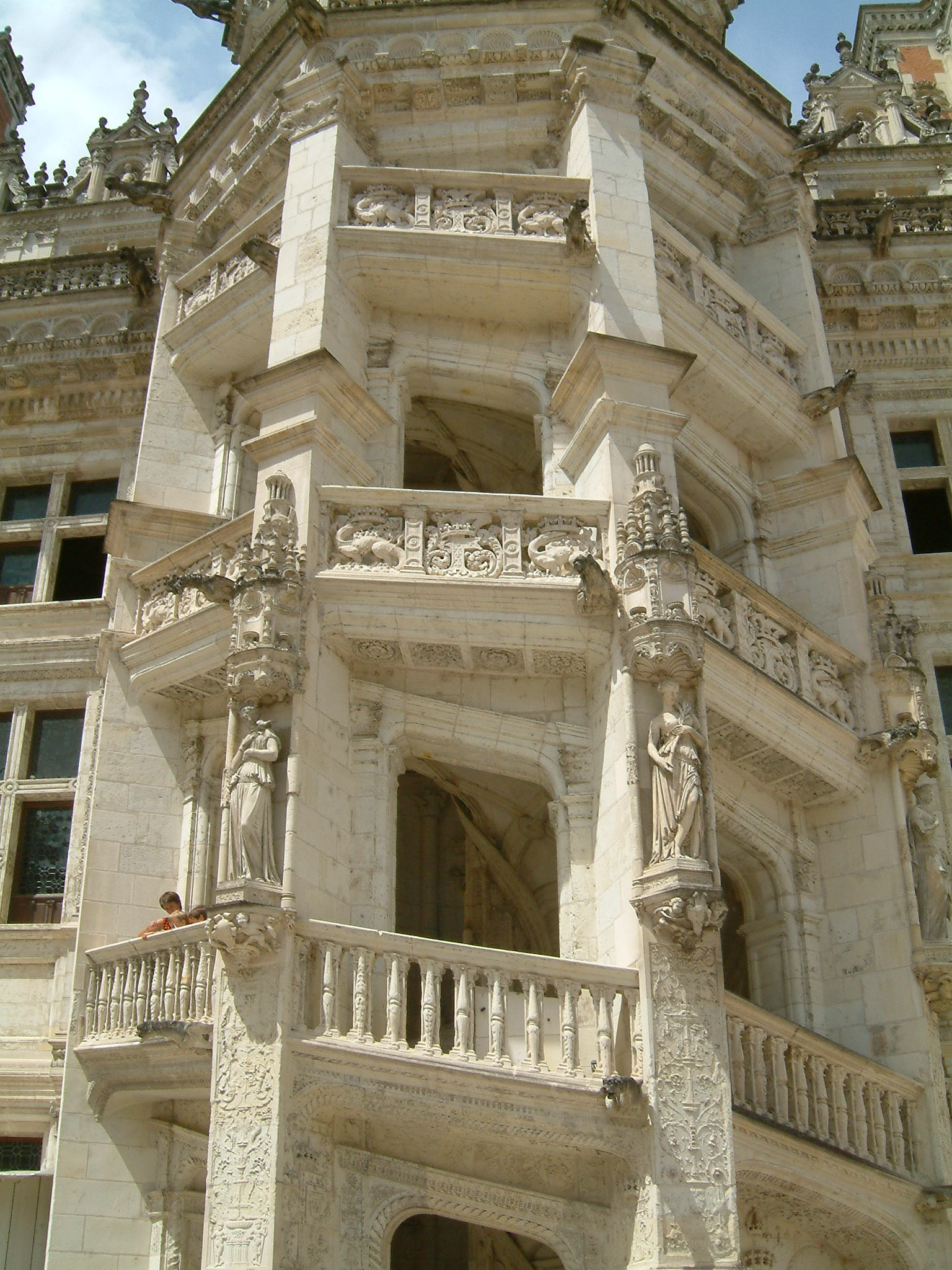 file chateau de blois escalier monumental wikimedia commons. Black Bedroom Furniture Sets. Home Design Ideas