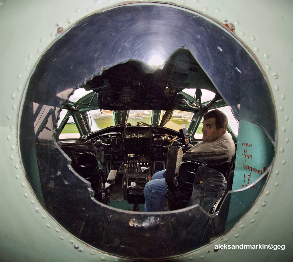 File:Cockpit  An-22  Photographer Sergey Riabsev – Russian AviaPhoto