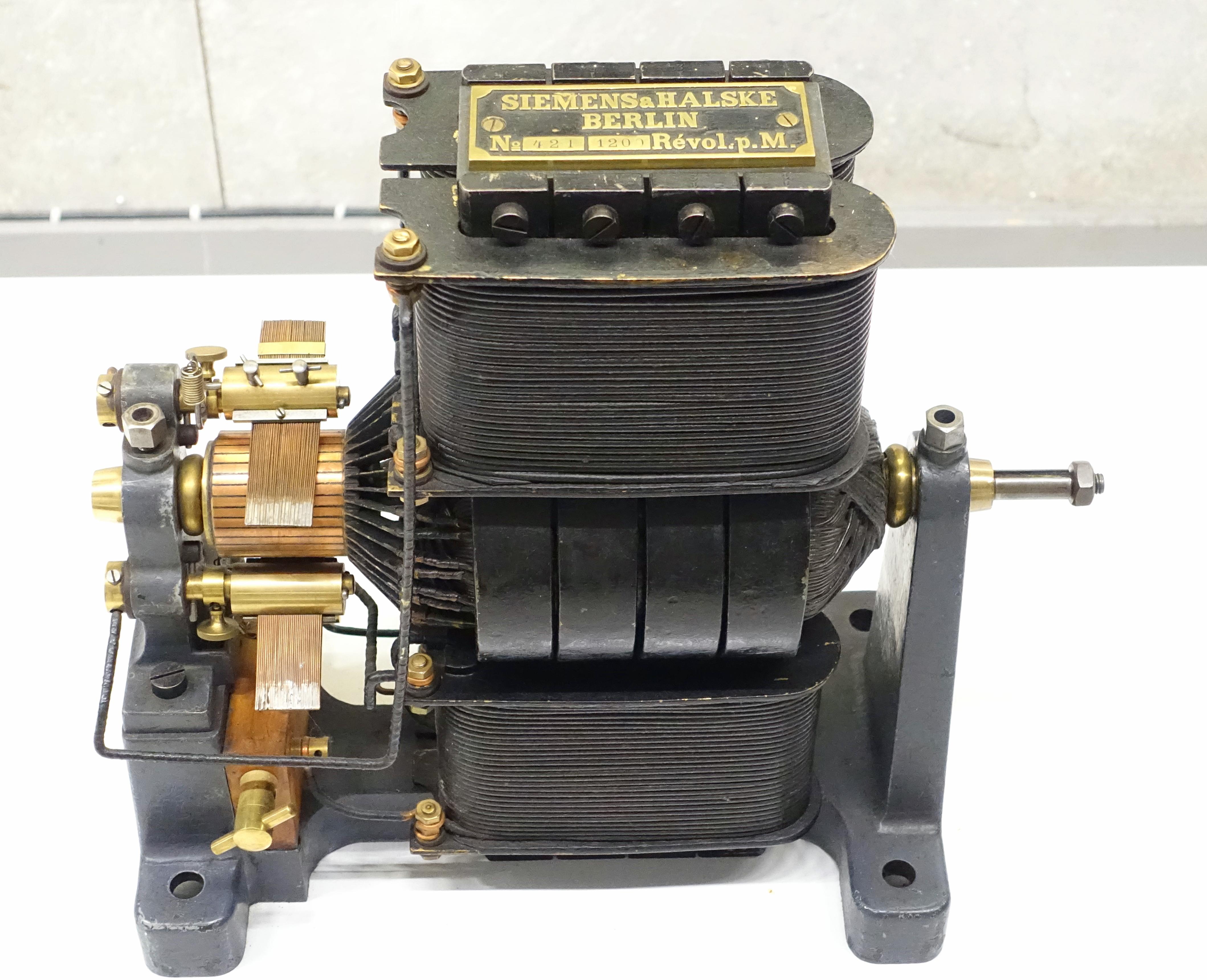 filedirect current generator siemens amp halske 1882