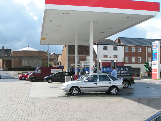 File:Esso garage opposite the Octagon Chapel - geograph.org.uk - 1460175.jpg