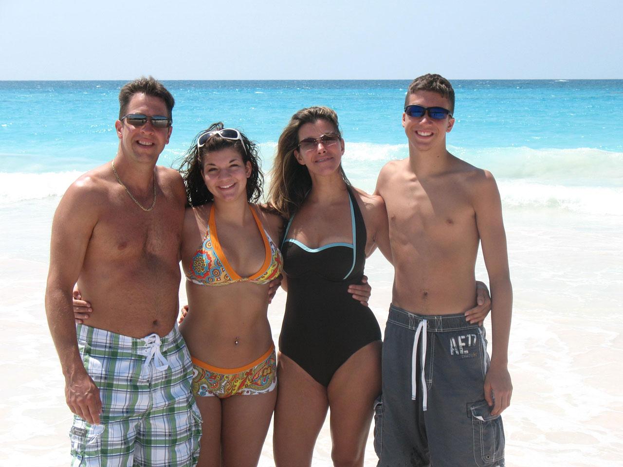 Family Beach Photos Filefamily At The Beachjpg Wikimedia Commons
