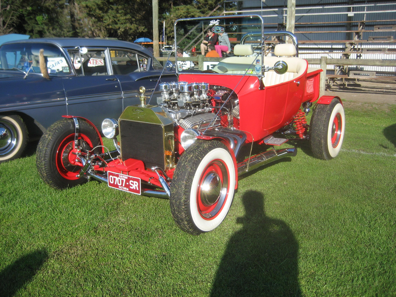 File:Ford Model T Bucket Hot Rod.jpg - Wikimedia Commons
