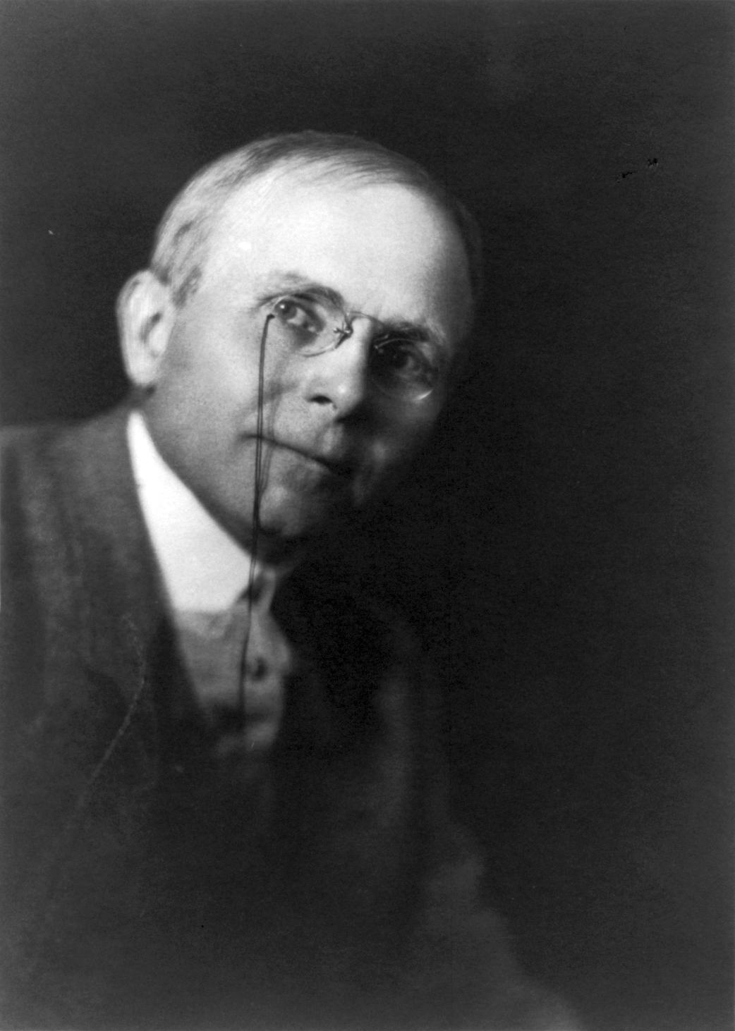 Portrait {{circa|1903}}