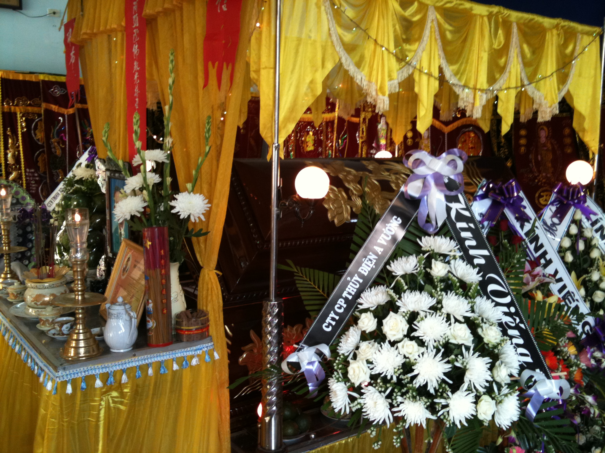 Buddha Decorations For The Home File Funeral Decorations Danang Jpg Wikimedia Commons