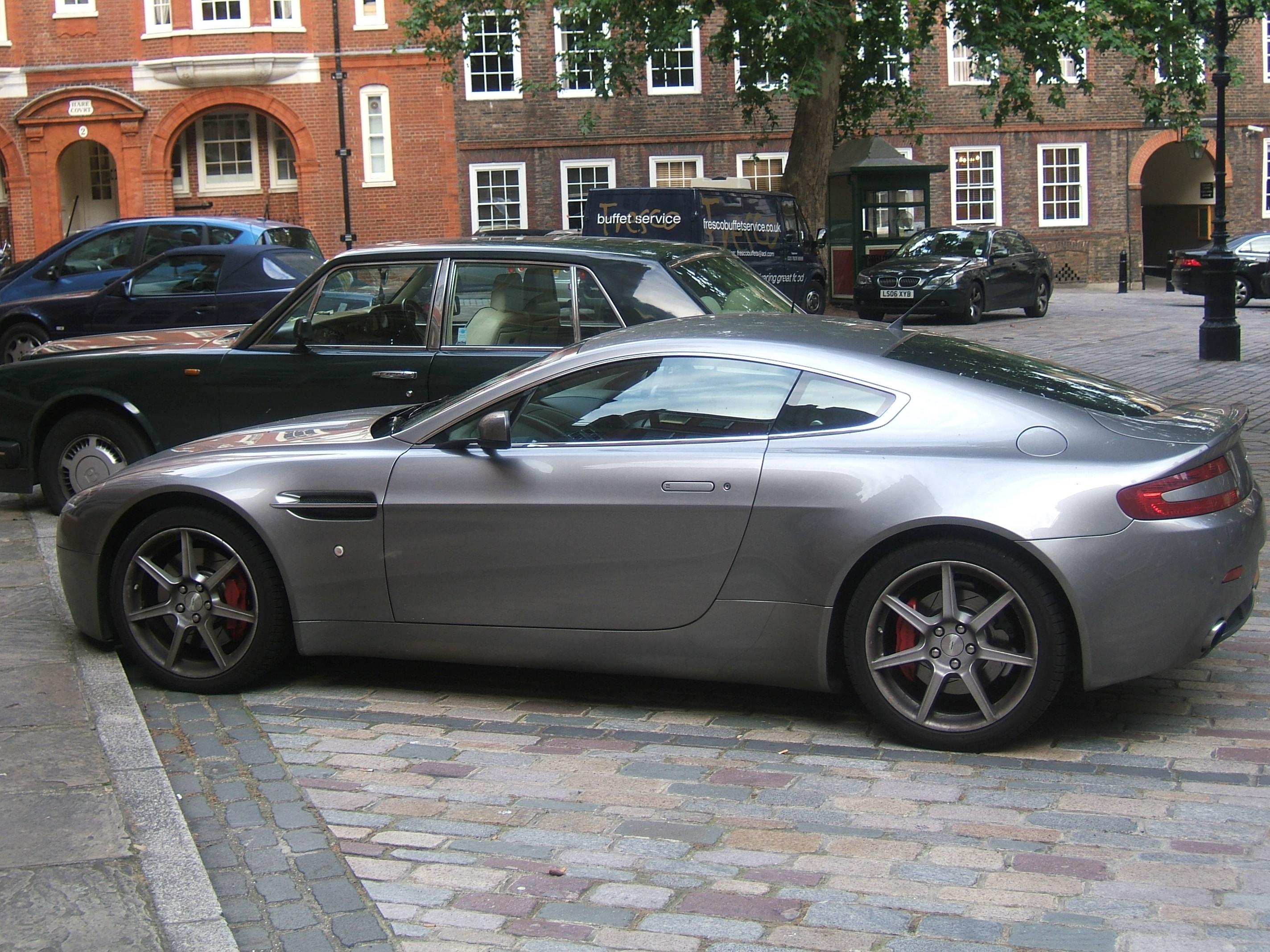 File Grey Aston Martin V8 Vantage 20090805 Jpg Wikimedia Commons