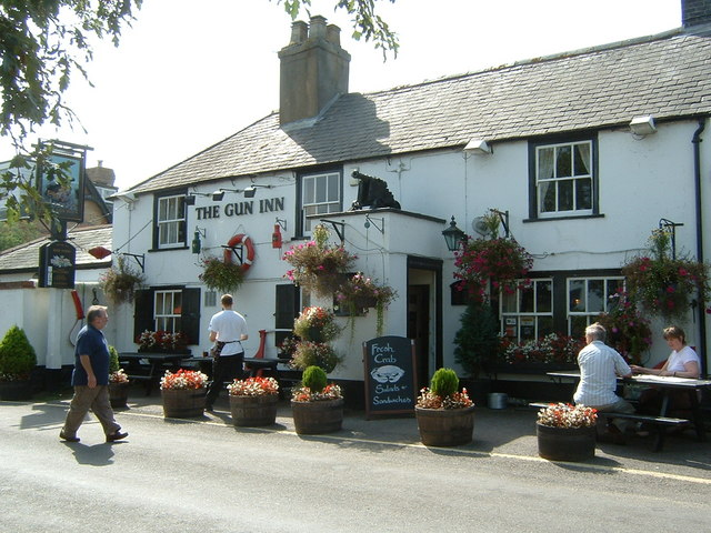 Gun Inn at Keyhaven - geograph.org.uk - 333925