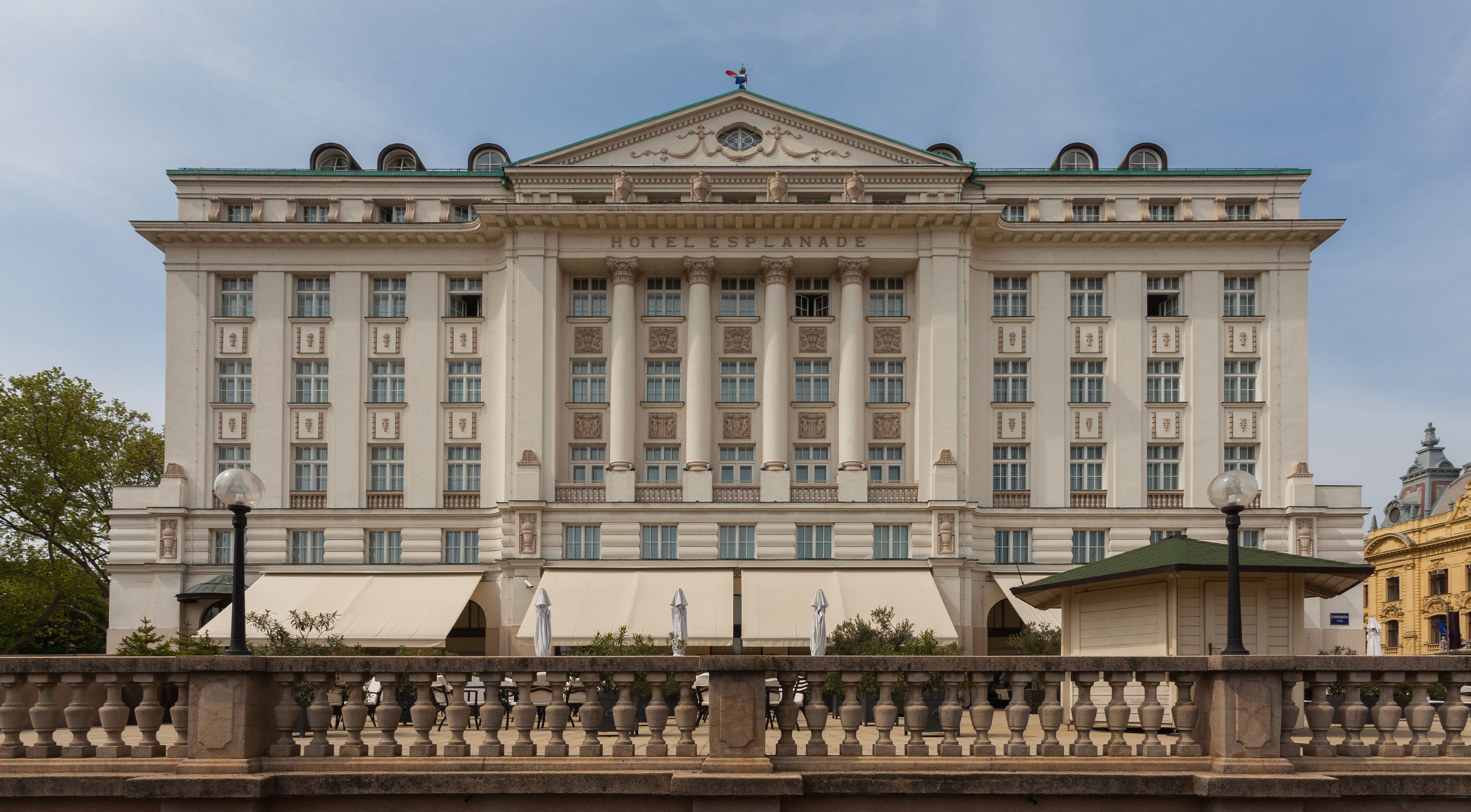 File hotel esplanade zagreb croacia 2014 04 13 dd 01 for Hotels zagreb