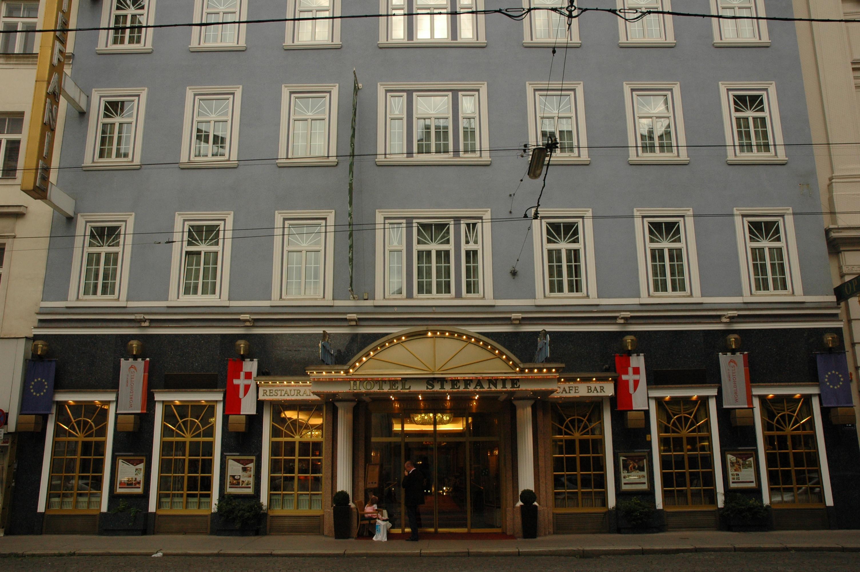 Hotel Stefani - room photo 10875482