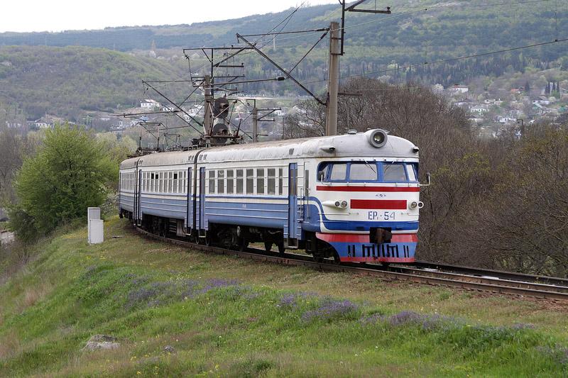 Укрзалізниця не електрифікуватиме колію зі Львова в Чернівці, але роздумує про Бурштин