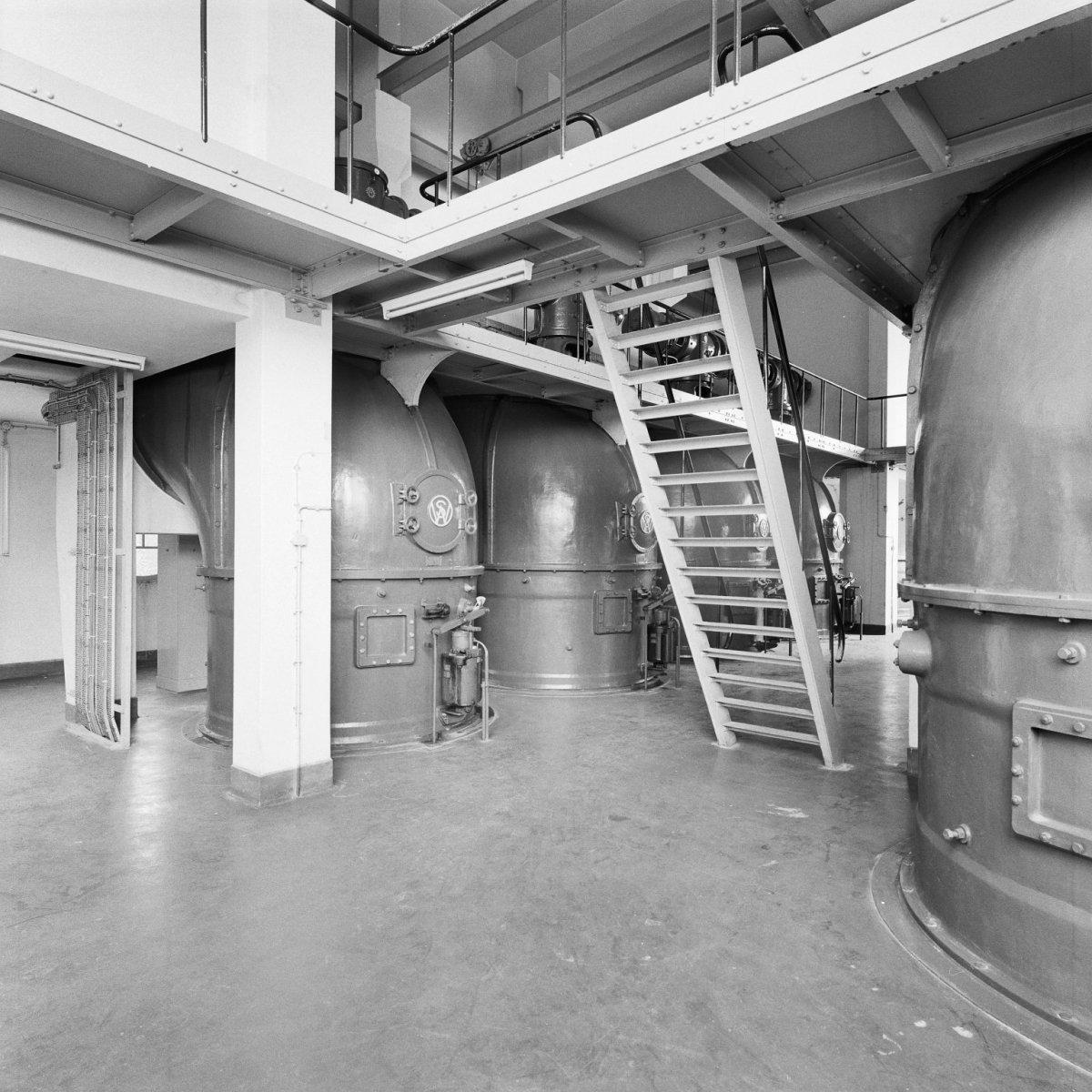 File interieur ventilatiegebouw van de maastunnel for Interieur rotterdam