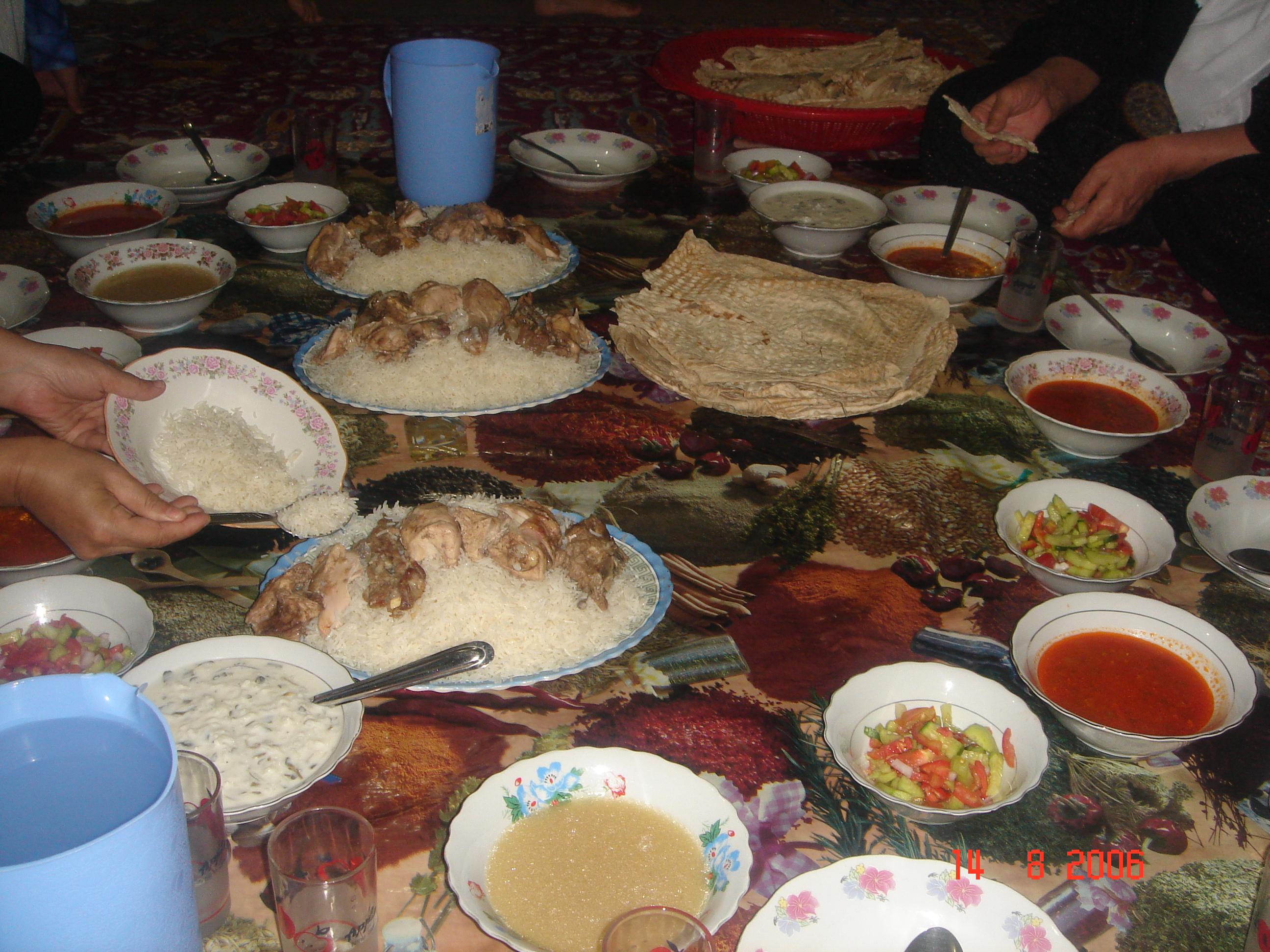 Description iraqi cuisine dinner 01