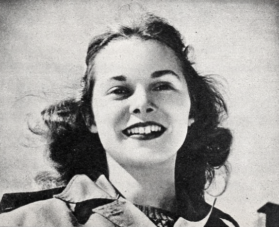File Janet Leigh C 1945 Png Wikimedia Commons
