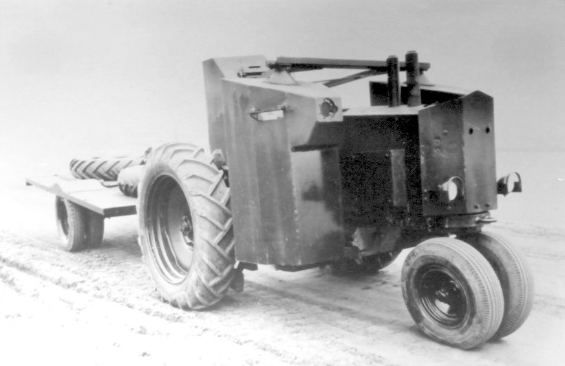 John-Deere-MG-tractor-haugh-1.jpg