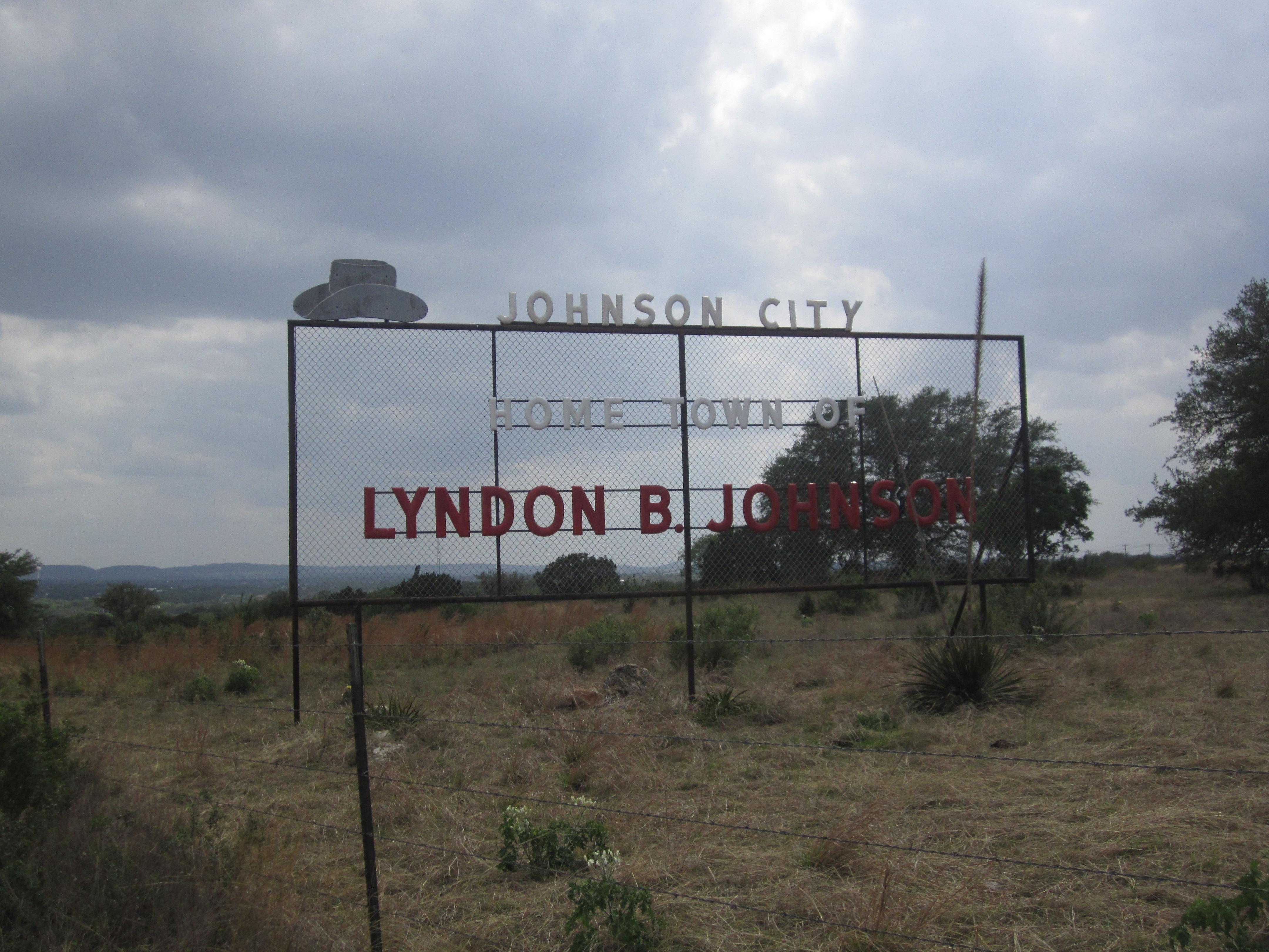 Johnson_City,_TX,_sign_IMG_ ...johnson city city