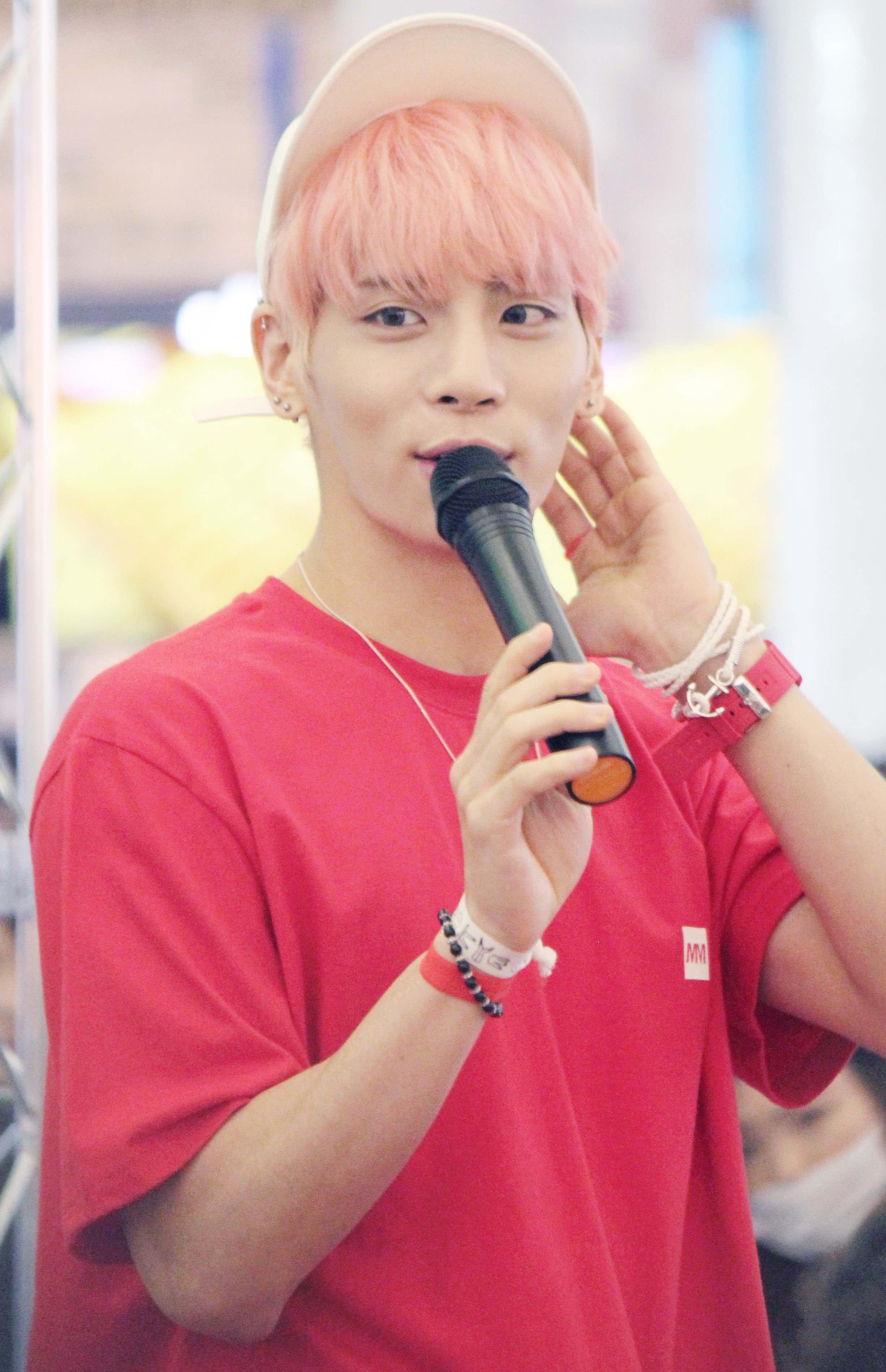 File Jonghyun At A Fansigning In Busan In June 2016 03