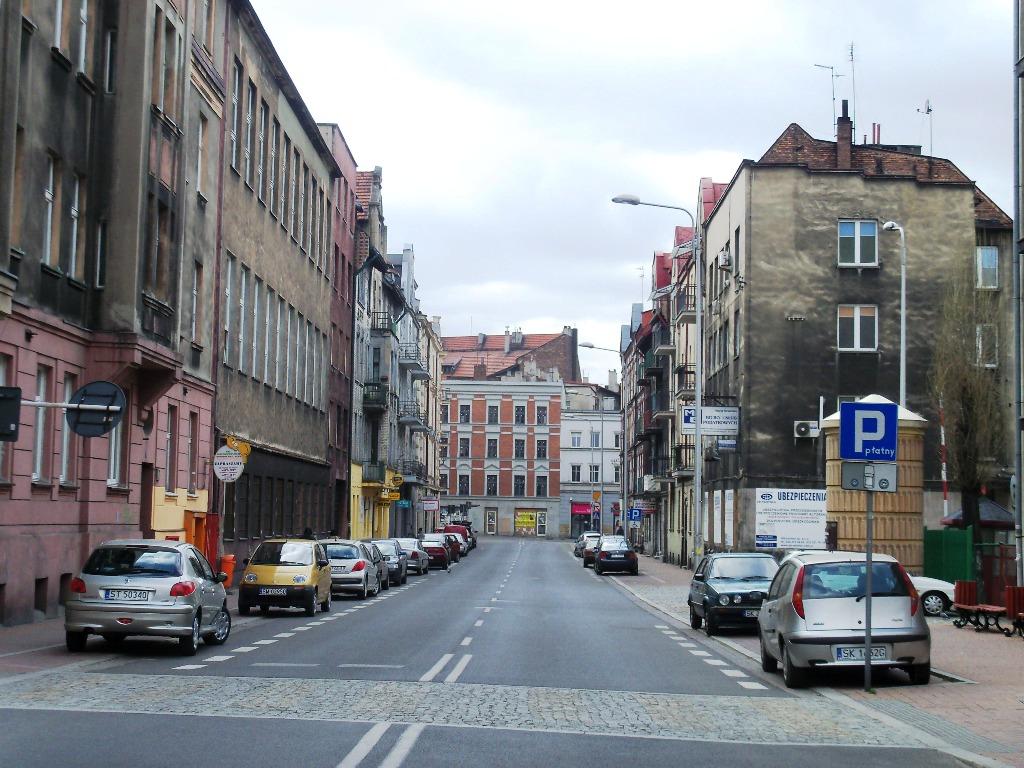 Ulica henryka d browskiego w katowicach wikipedia wolna for Benetton 3 stawy katowice