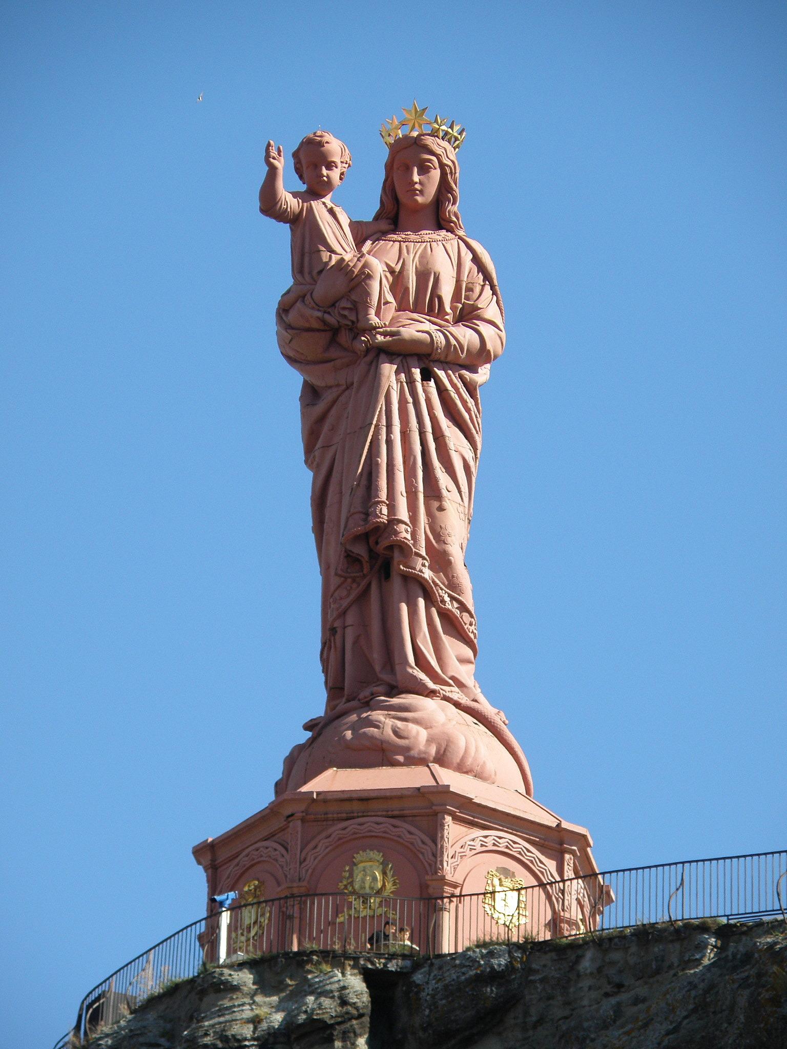 File:Le Puy-en-Velay Notre-Dame de France1.JPG - Wikimedia