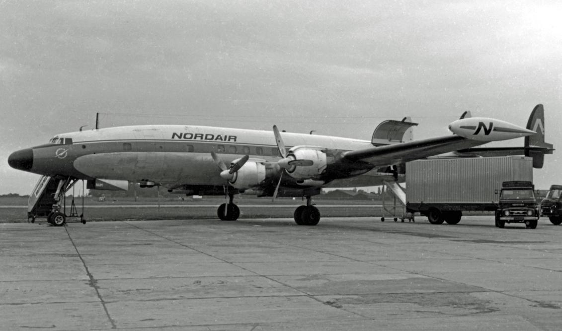 Lockheed_L1049H_CF-NAM_Nordair_MAN_02.07