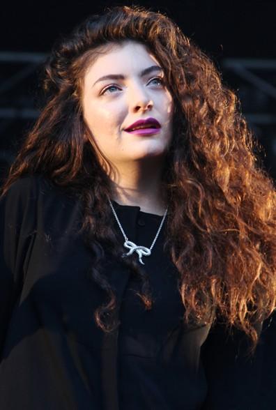Lorde Guitar Chords, Guitar Tabs and Lyrics album from Chordie
