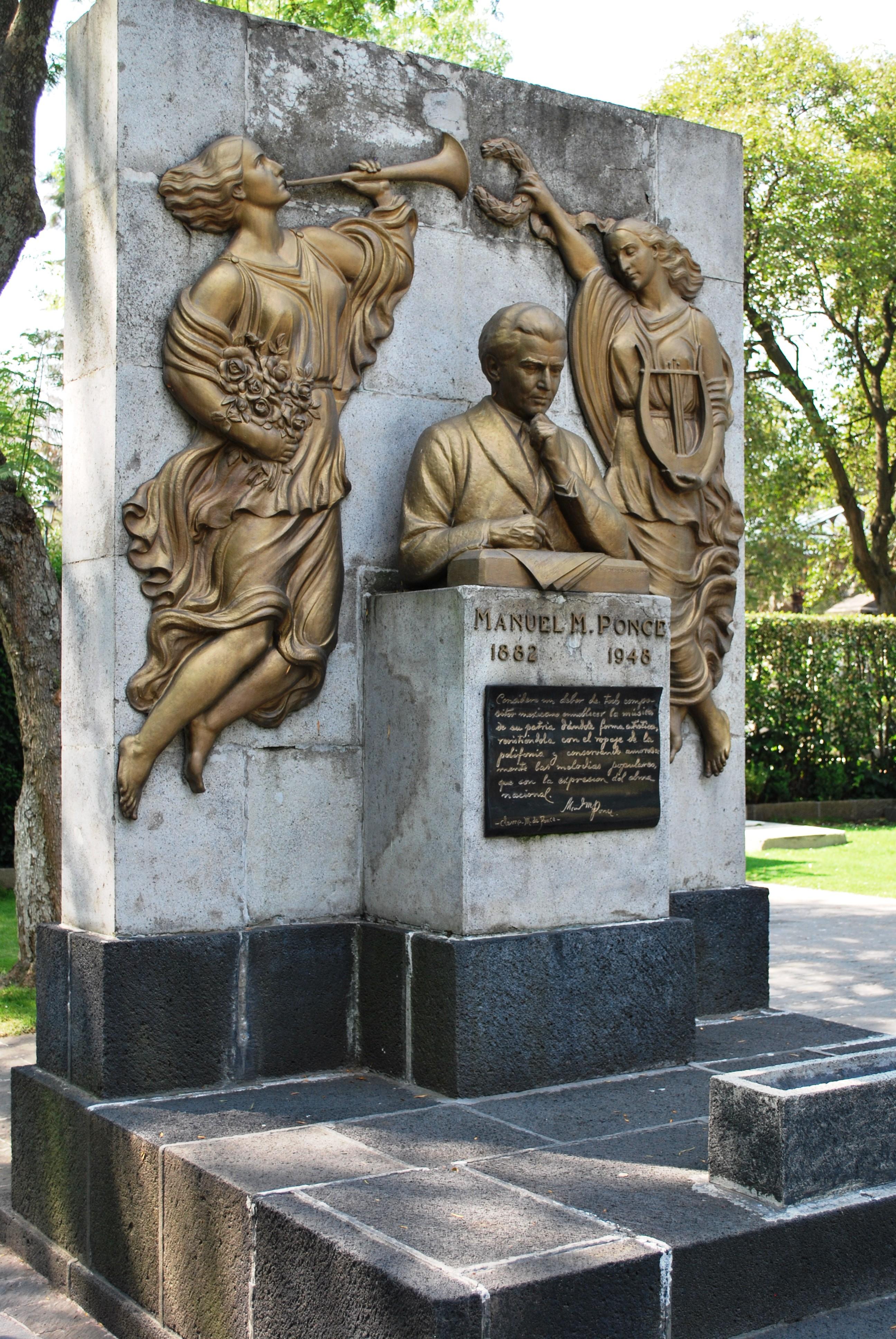Sepulcro de Manuel M. Ponce en la Rotonda de las Personas Ilustres (México)