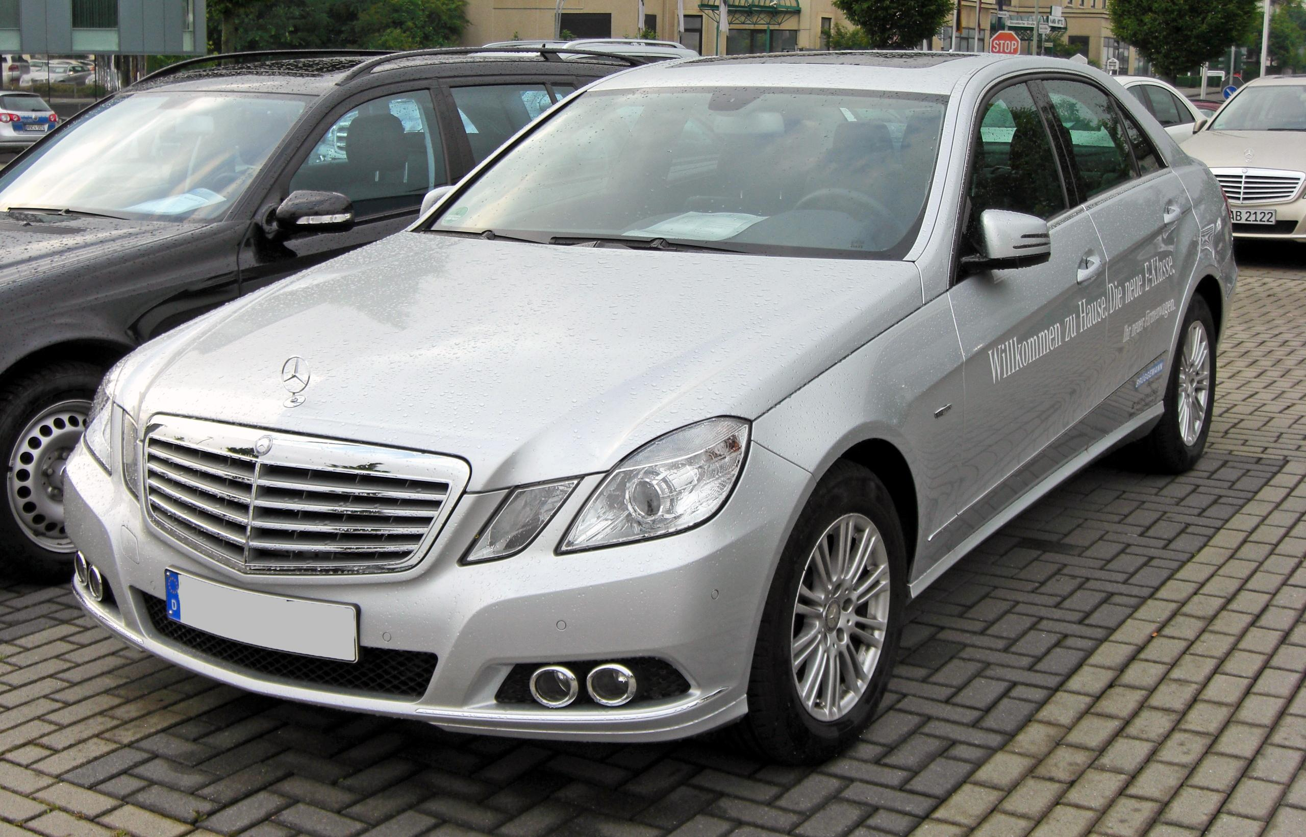 file mercedes e 250 cdi blueefficiency elegance w212. Black Bedroom Furniture Sets. Home Design Ideas