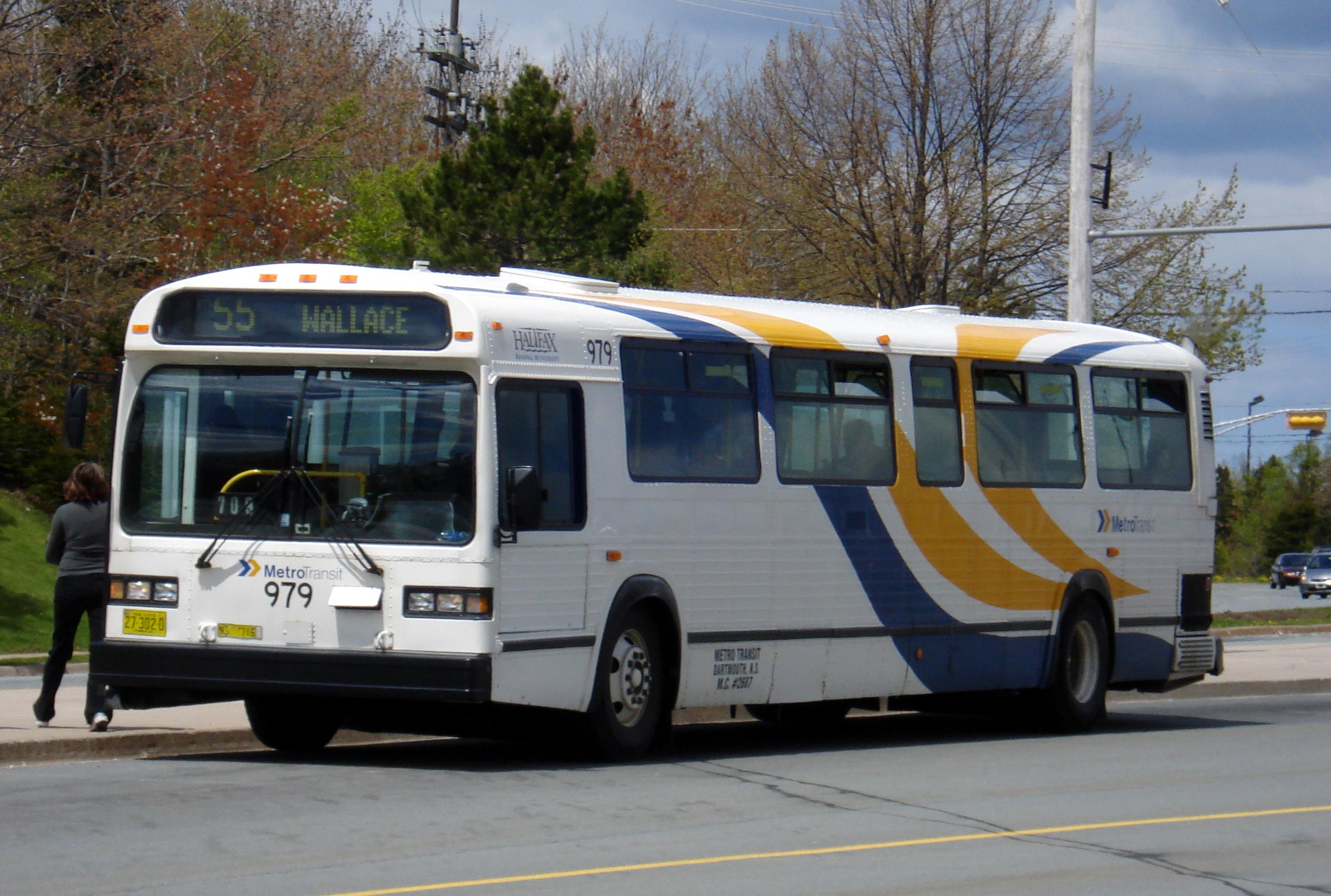 File:Metro Transit 979 new livery.jpg