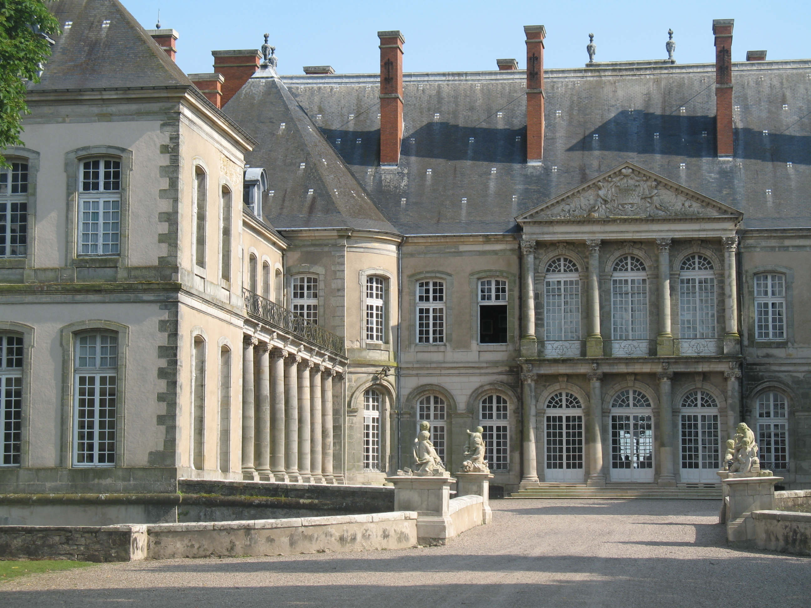 Elegant Château Du0027Haroué, A French Château Located In A Valley In The Centre Of The  Village Of Haroué, In The Saintois, In The Département Of  Meurthe Et Moselle And ...