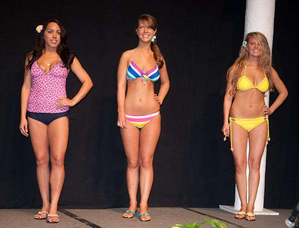 Description model at the fall 2011 run to the sun fashion show img