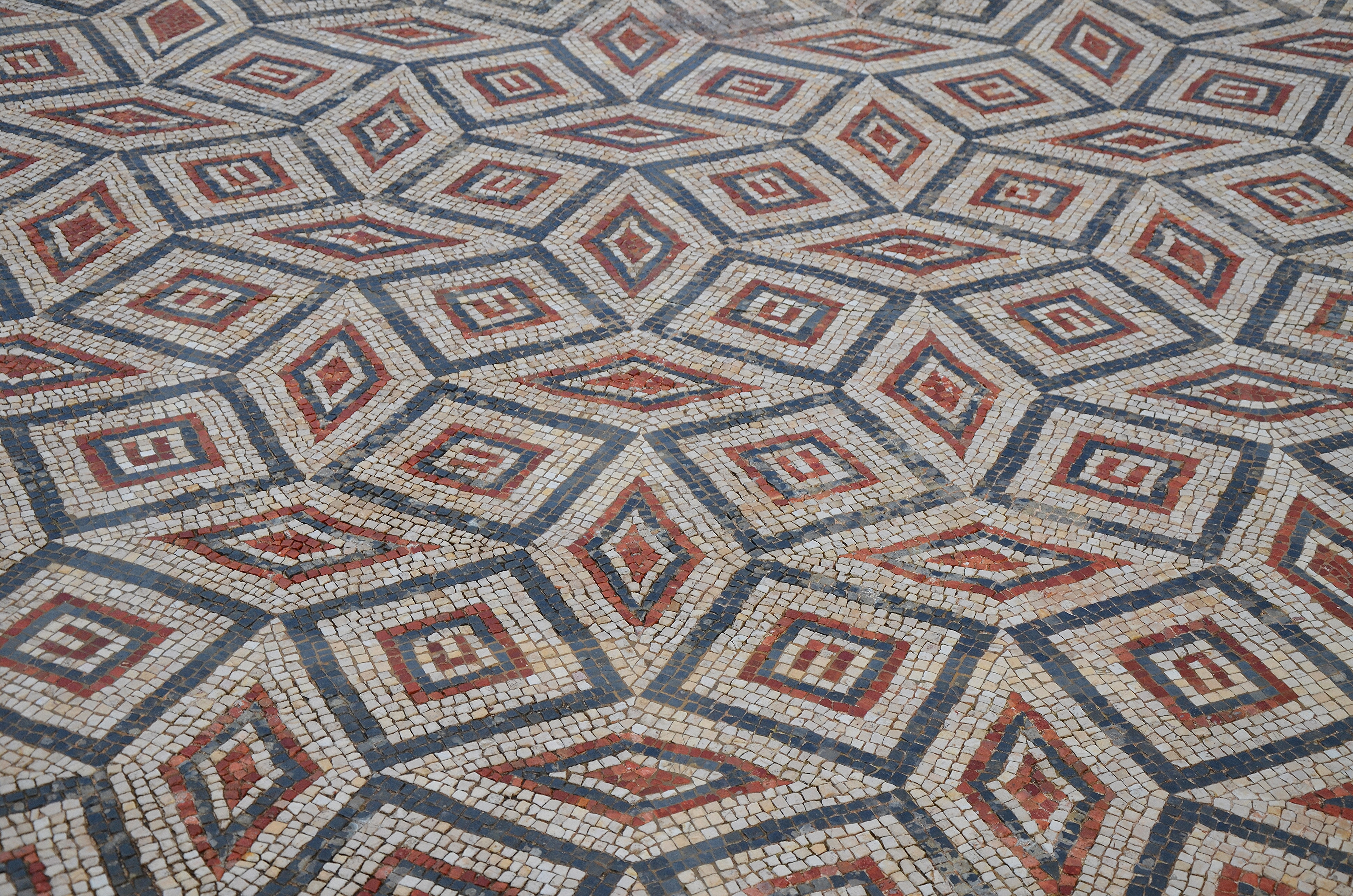File:Mosaic floor in the House of the Swastika with geometric patterns,  Conimbriga,