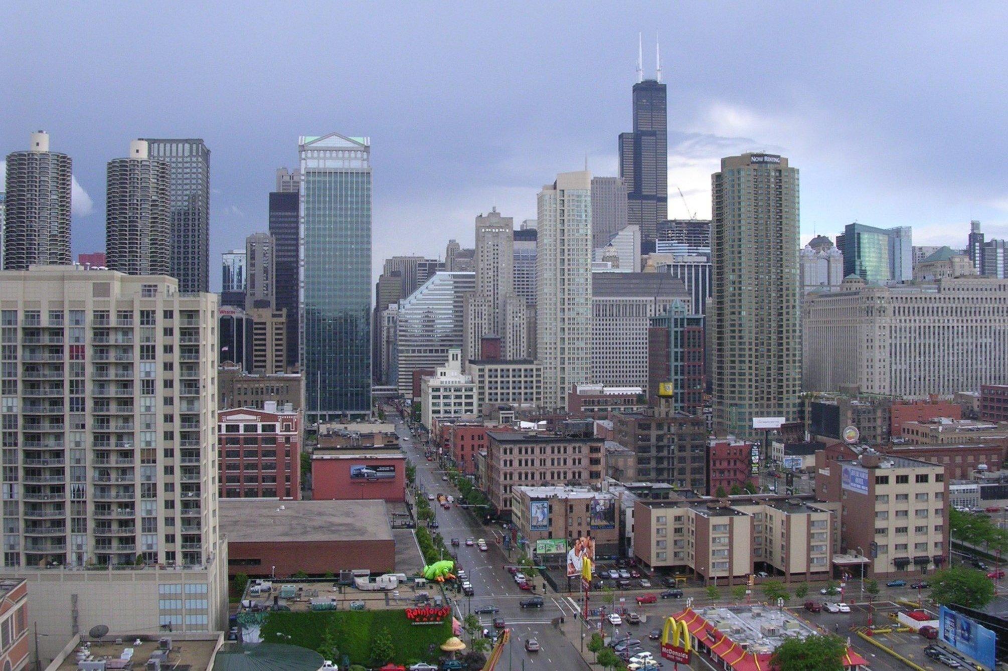 North Clark Street, Chicago IL.jpg
