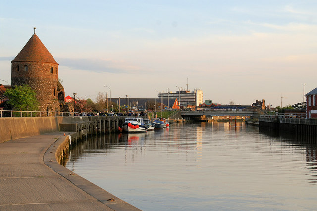 North West Tower and Bure Bridge - geograph.org.uk - 803908