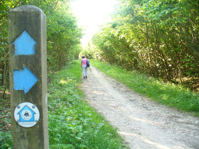 On The Monarch's Way - geograph.org.uk - 1318872