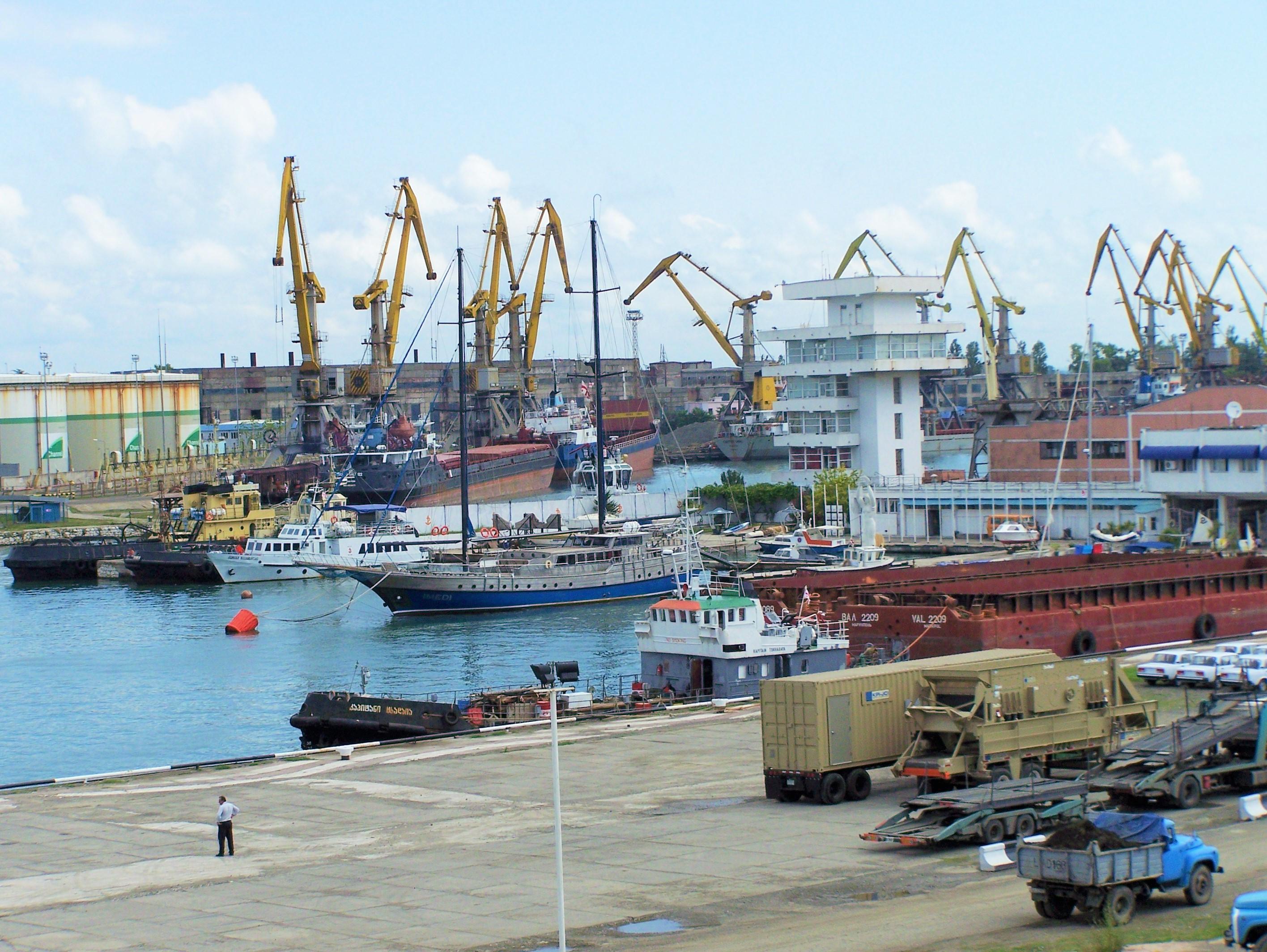 Украина жирует: порты не по карману иностранцам