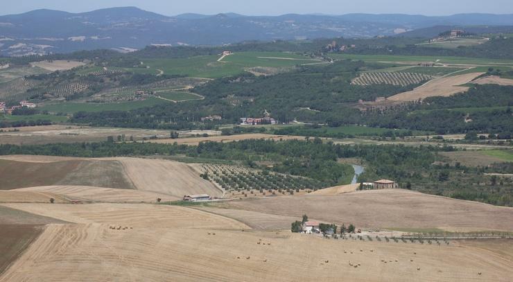 Paesaggio della Valle dell'Ombrone, la parte terminale della Val d'Orcia tra le province di Grosseto e Siena