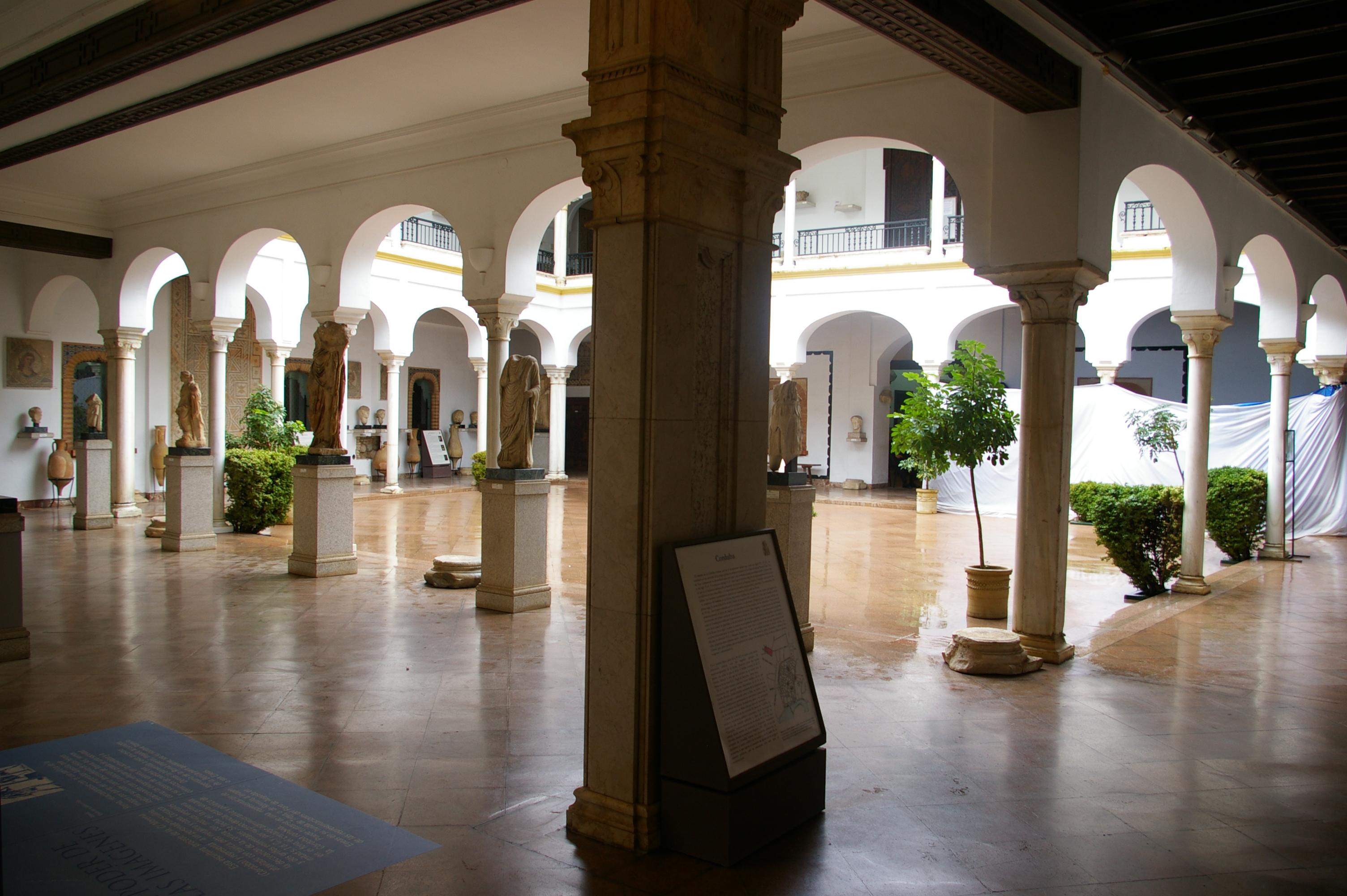 File:Patio II del Museo Arqueológico y Etnológico de Córdoba, Spain.jpg - Wik...