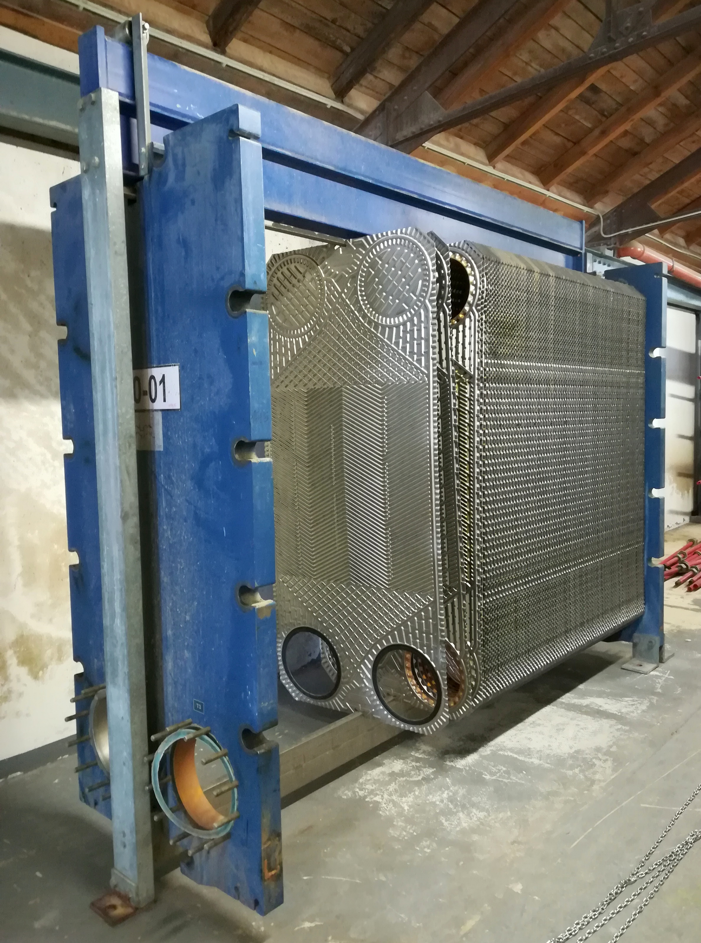 File:Plate heat exchanger - dismantled pic01 jpg - Wikimedia Commons