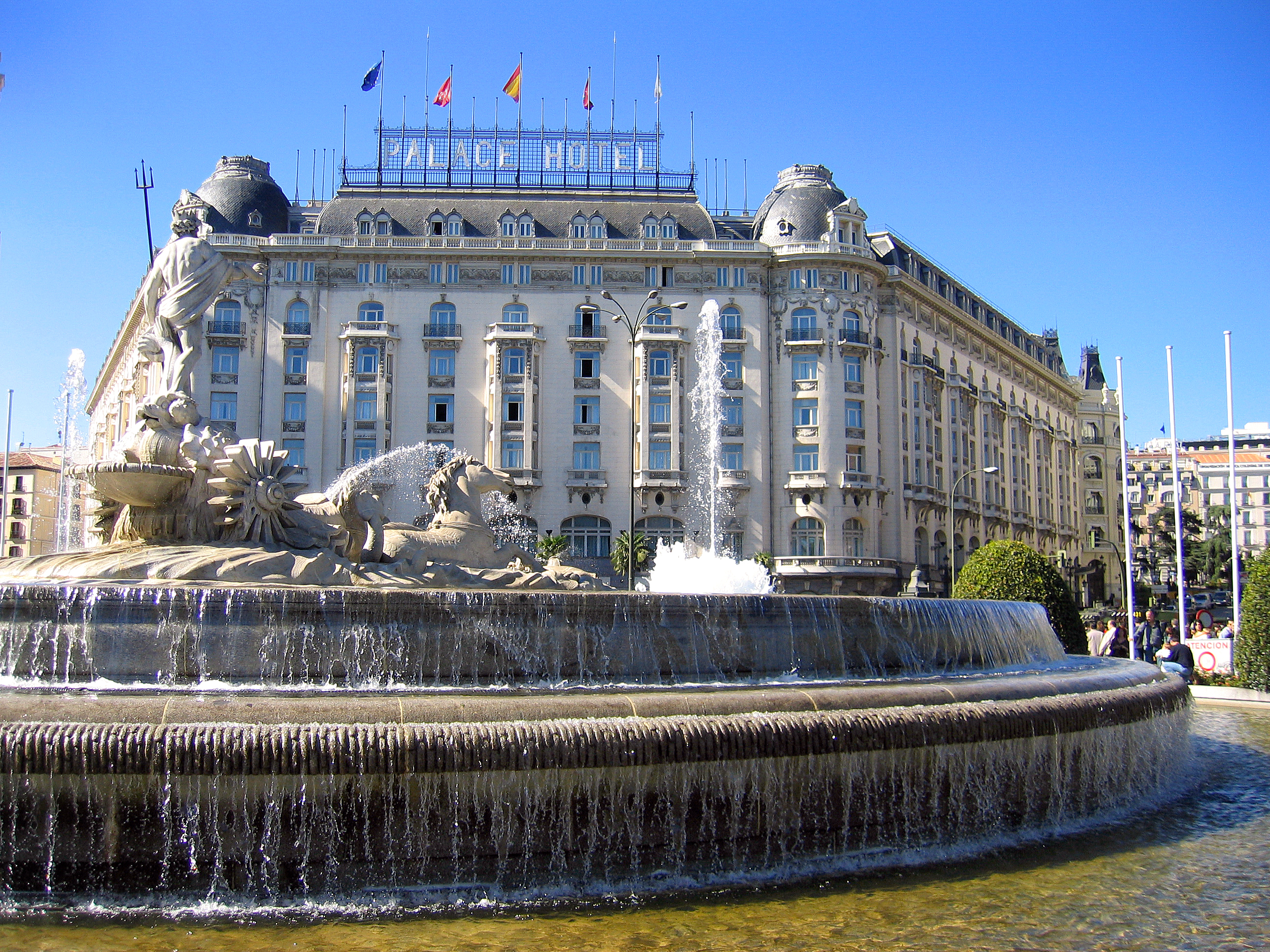 File plaza de c novas del castillo madrid - Hotel only you en madrid ...