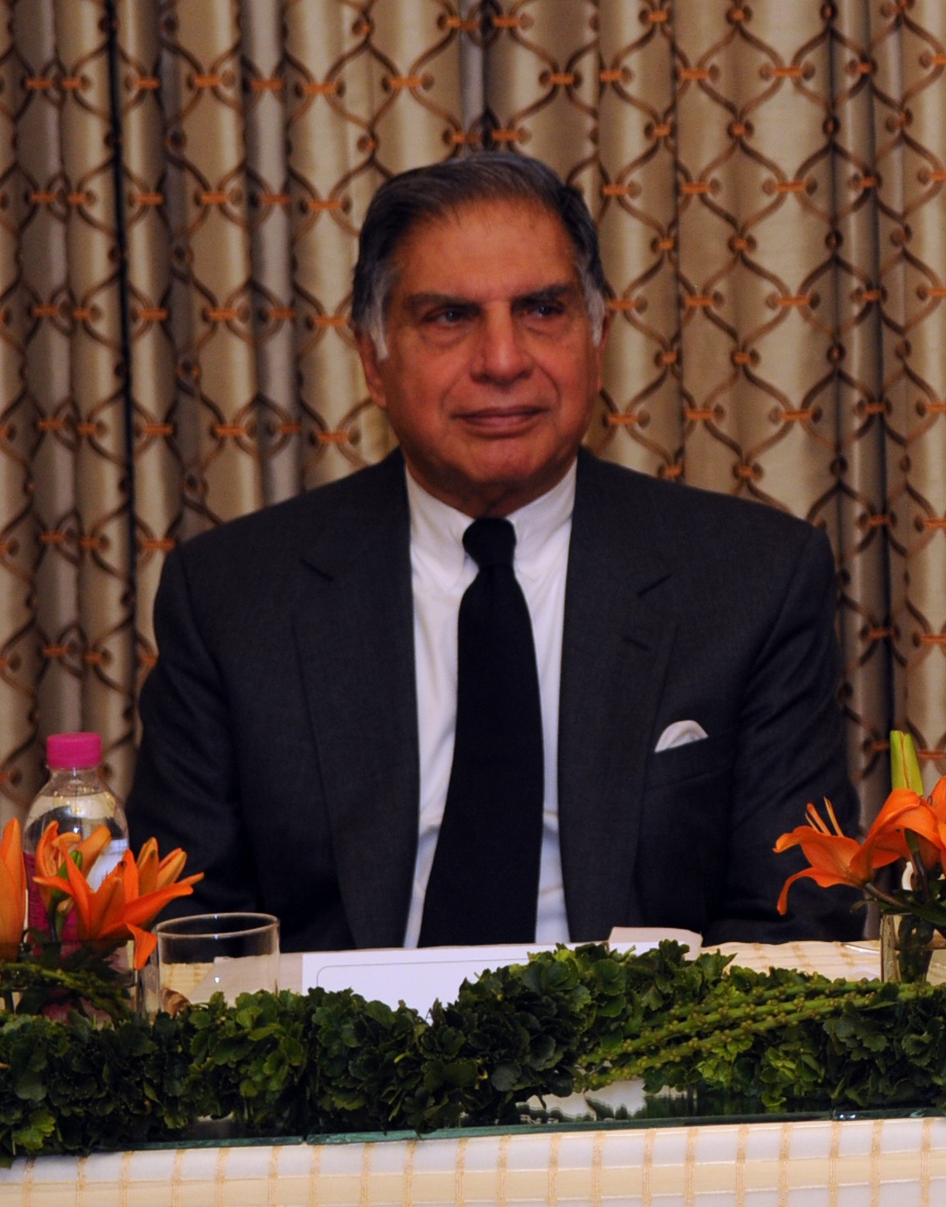 ratan tata 2 essay Ratan tata introduction ratan tata is the chairman of the tata group, india's largest corporation he is the latest in a long line of tatas to head the family-owned companyborn into an old parsi family of bombay, in december 28th 1937.