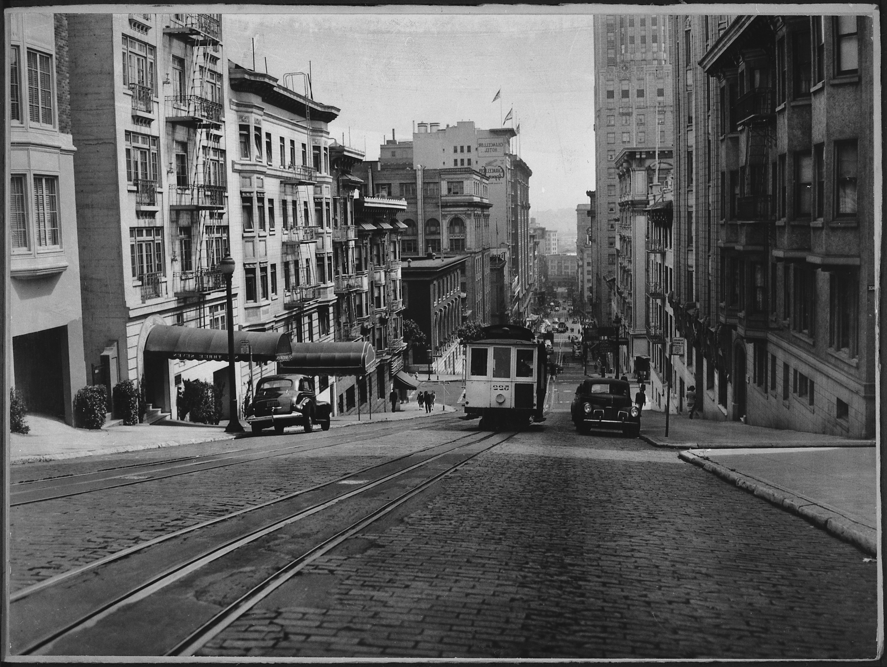 San Francisco Map Store%0A San Francisco u    s cable cars climbing the Powell Street hill  ca        NARA