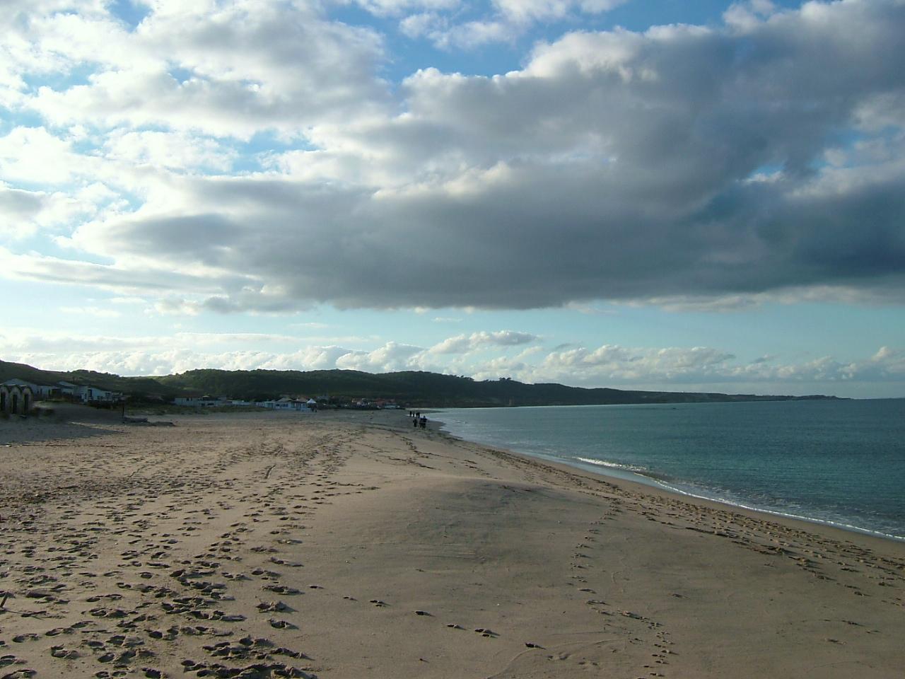 File spiaggia di platamona sassari jpg wikimedia commons for Disegni moderni della casa sulla spiaggia