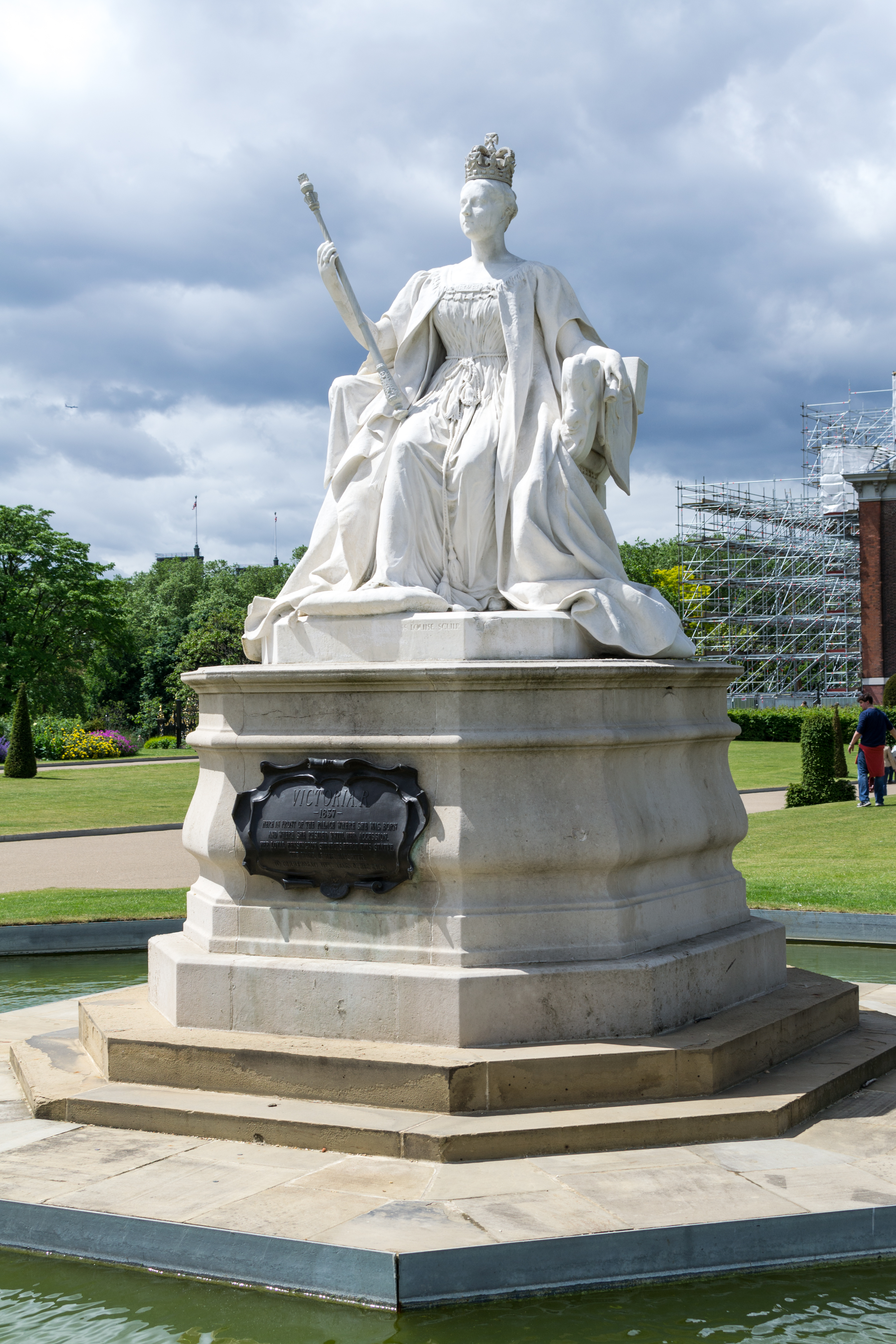 Statue Of Queen Victoria C Kensington Palace C London on Kensington Palace