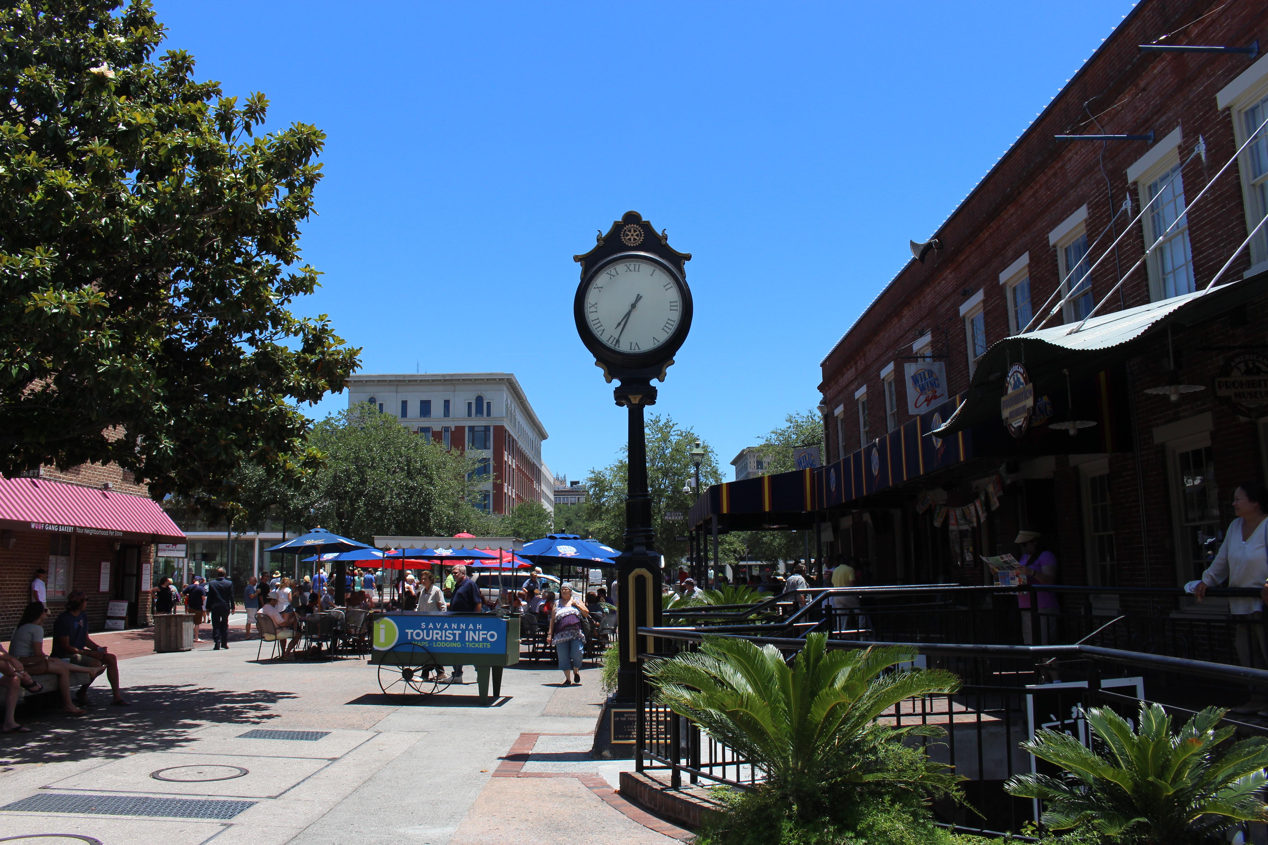 Street clock, City Market, Savannah.jpg