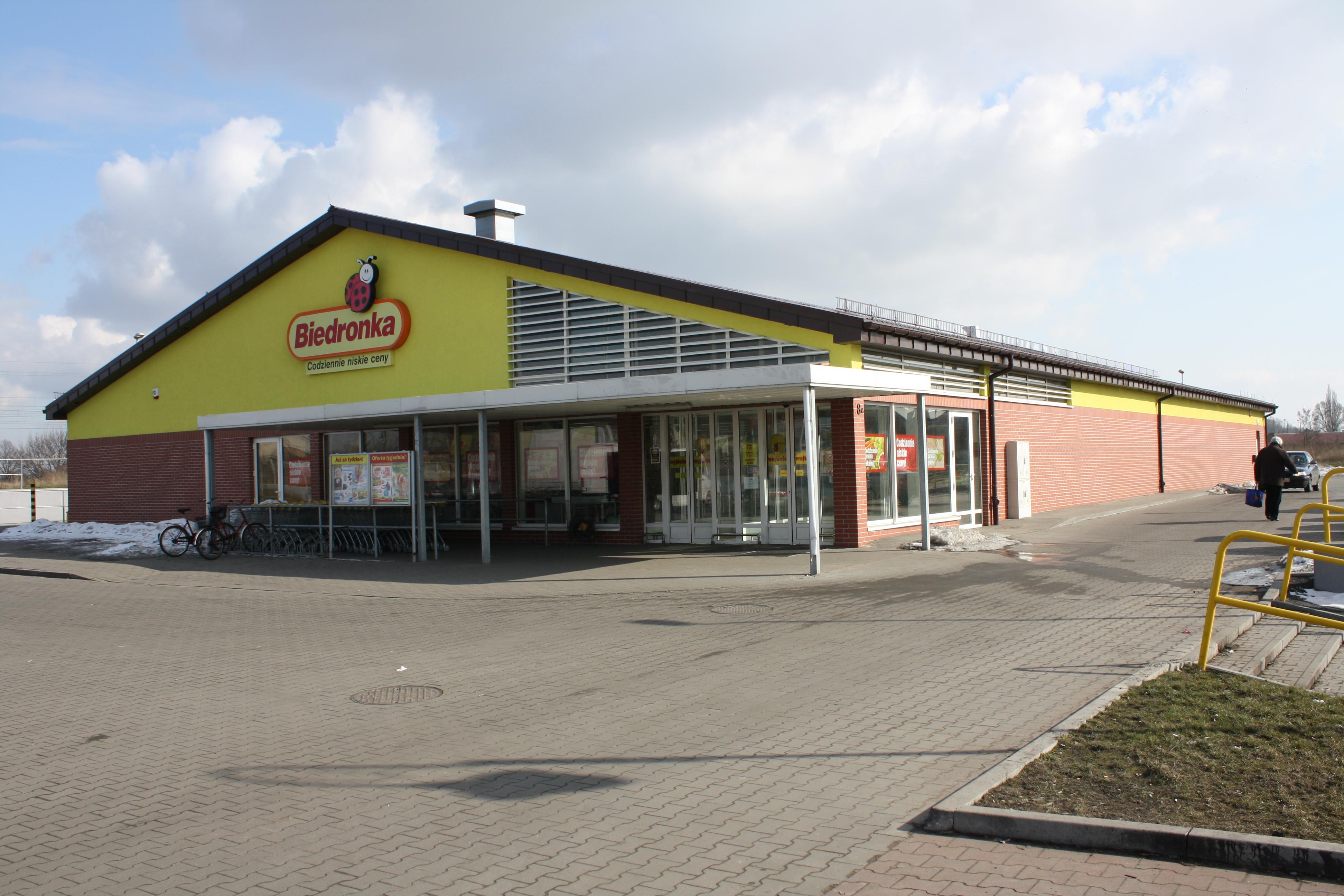 File Supermarket Biedronka In Aleksandrow Kujawski Jpg Wikimedia