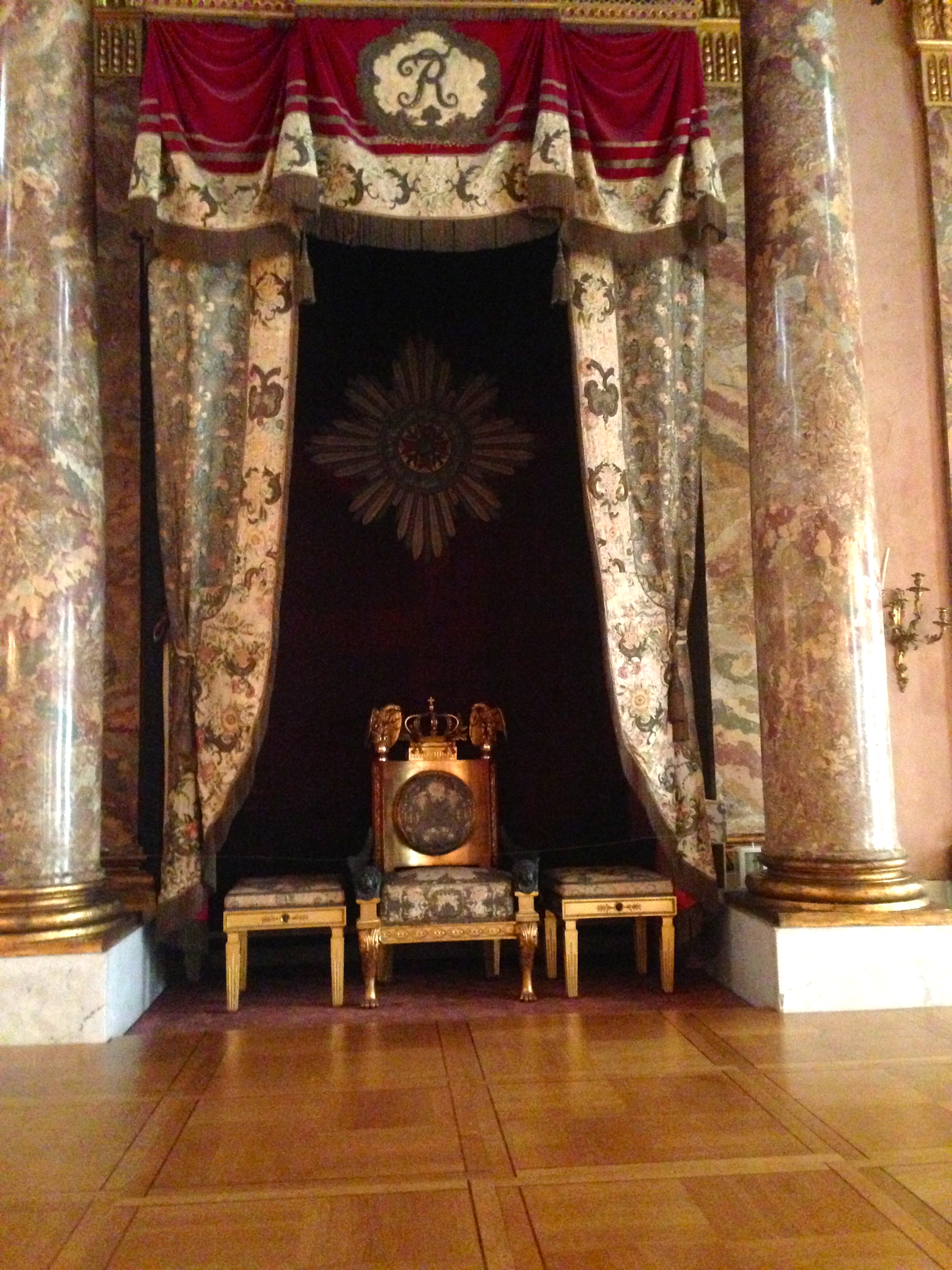 file thron im ordenssaal residenzschloss wikimedia commons. Black Bedroom Furniture Sets. Home Design Ideas