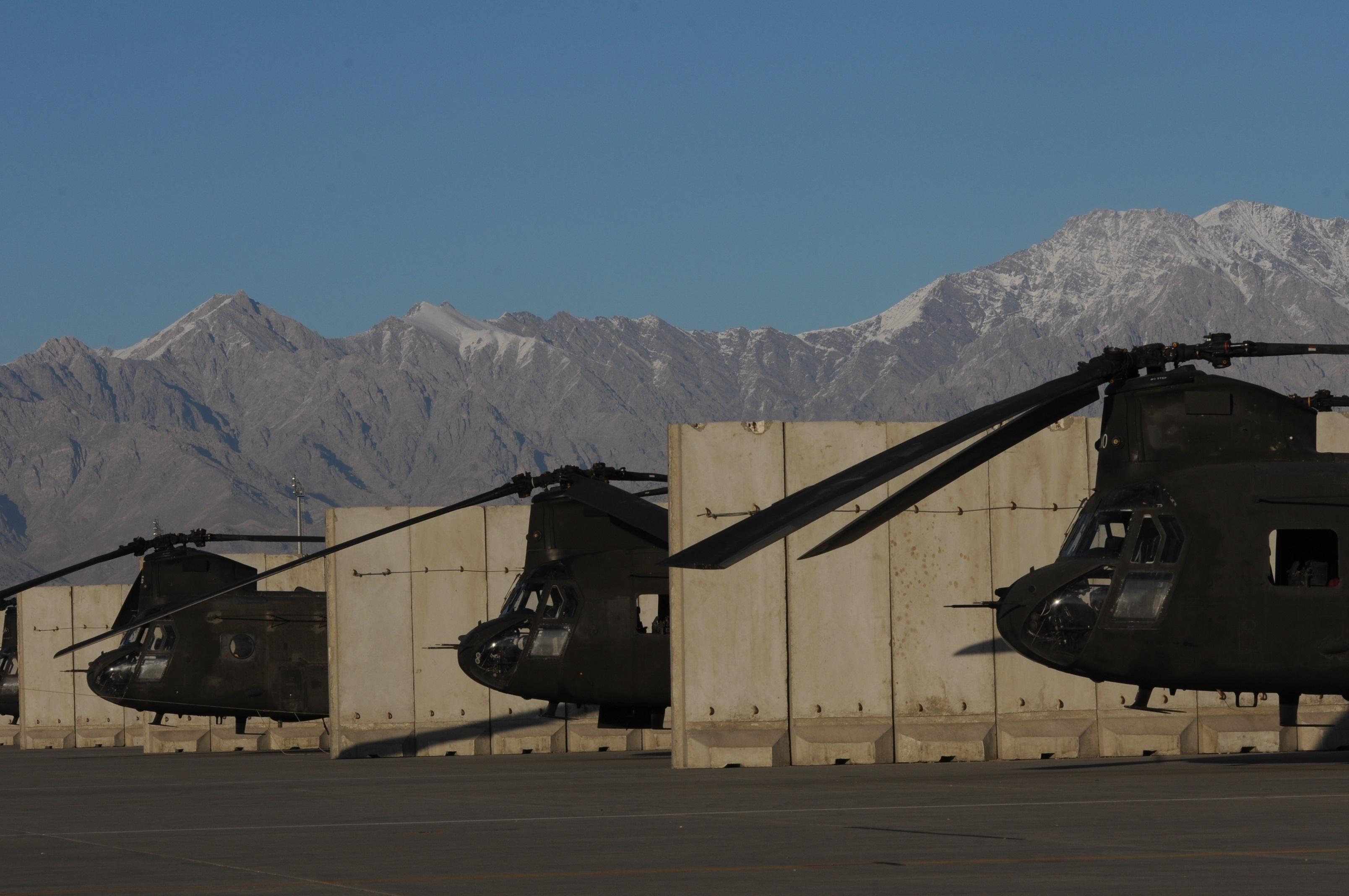 File:U.S. Army CH-47 Chinook helicopters assigned to the 10th Combat ... Army Helicopters In Action