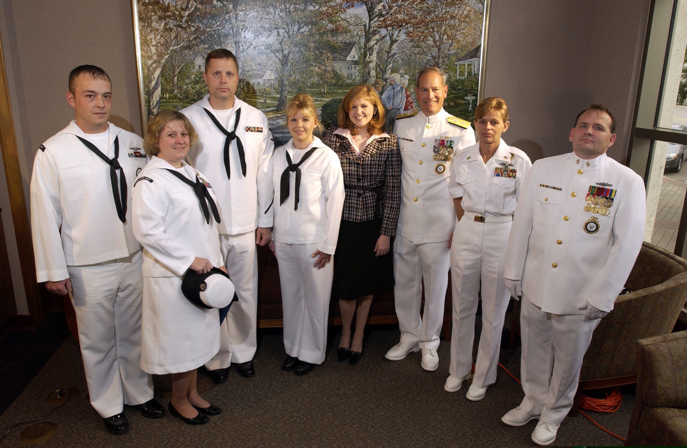 file us navy n b members of the mcintyre family file us navy 041014 n 3659b 002 members of the mcintyre family along recruiters from the active and reserve components assigned to navy recruiting