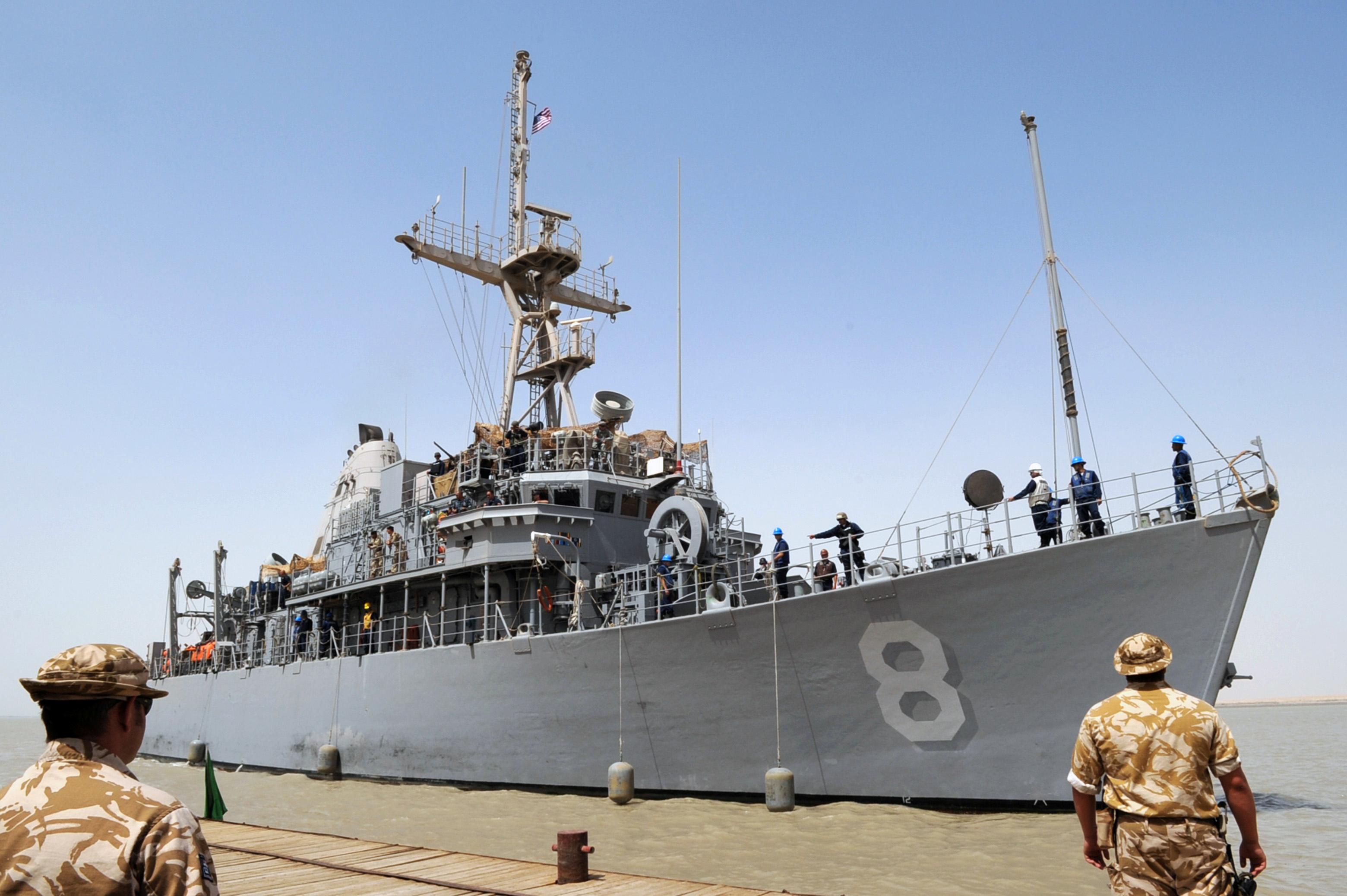 File Us Navy 090630 N 6814f 043 Mine Countermeasure Ship
